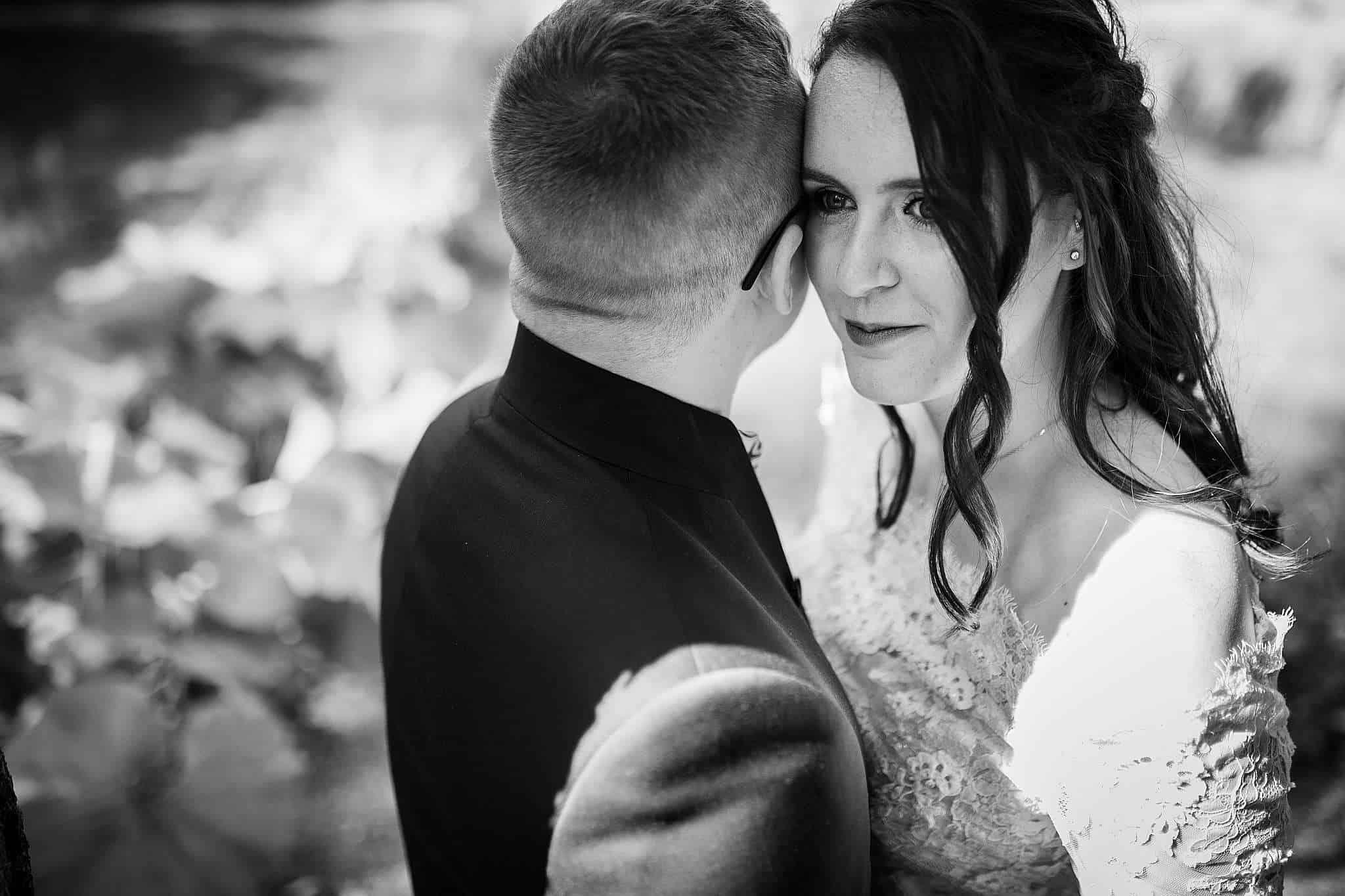 Mit Fine und Daniel war es kinderleicht schöne Hochzeitsfotos in der Location bei Kaiserslautern zu shooten
