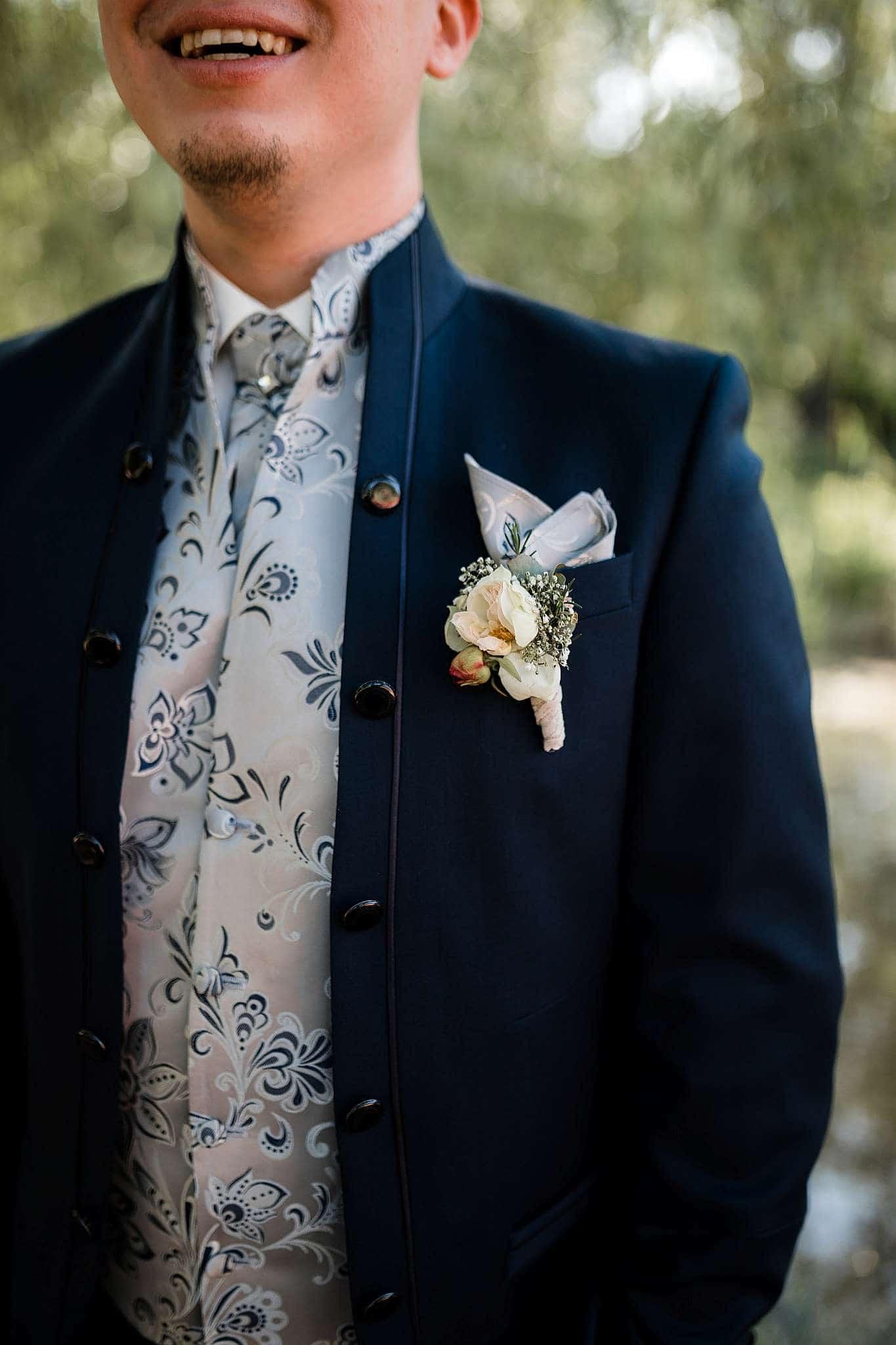 Hochzeit in Kaiserslautern: Details beim Bräutigam
