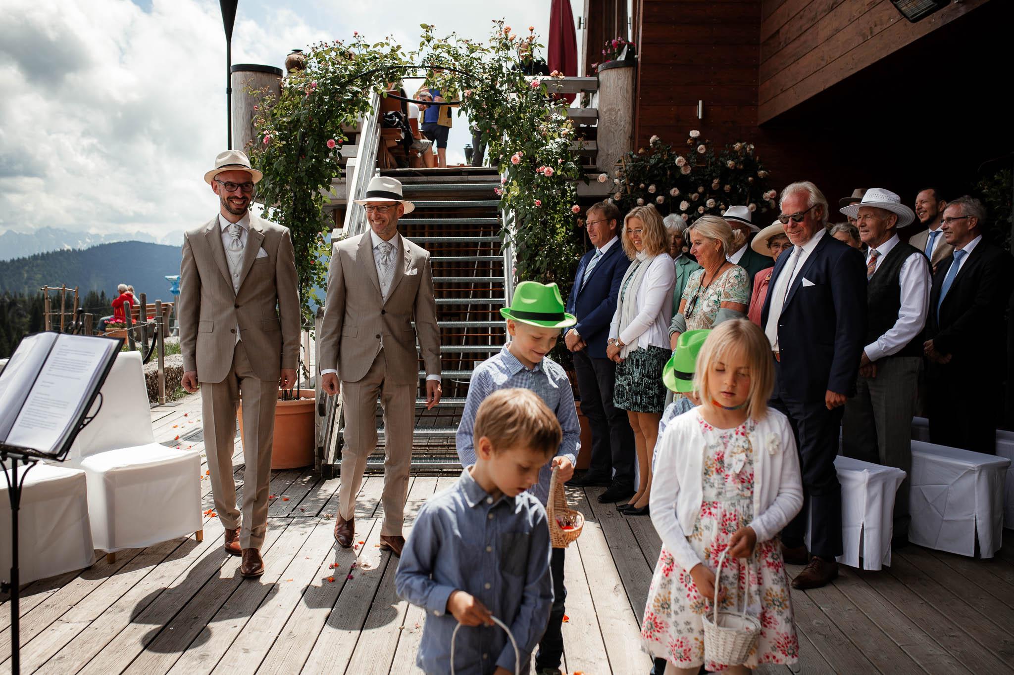 Hochzeitsfotograf Alpen, Chiemgau: freie Trauung von Dennis & Dirk 20