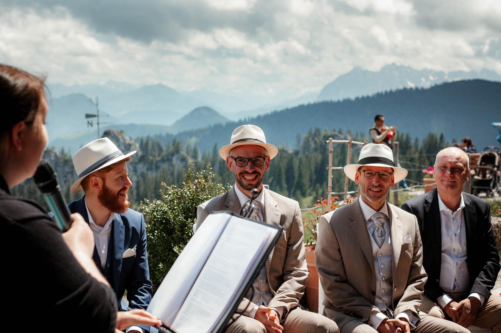 Hochzeitsfotograf Alpen, Chiemgau: freie Trauung von Dennis & Dirk 23