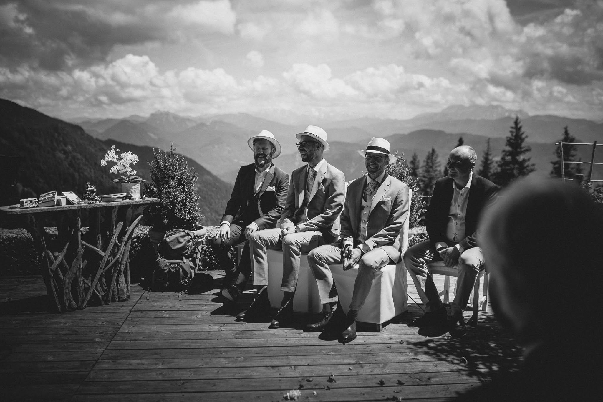 Hochzeitsfotograf Alpen, Chiemgau: freie Trauung von Dennis & Dirk 24