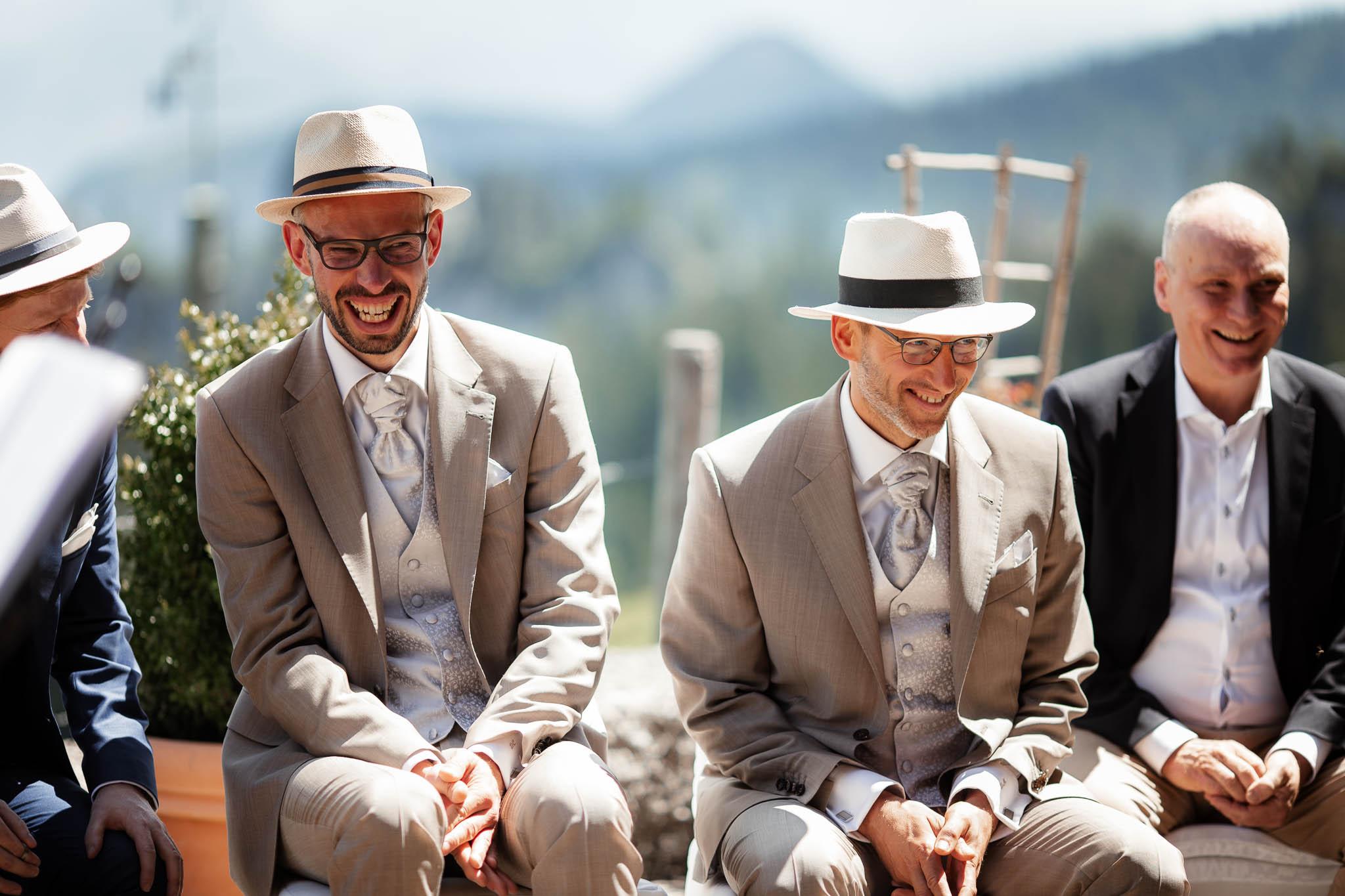 Hochzeitsfotograf Alpen, Chiemgau: freie Trauung von Dennis & Dirk 32