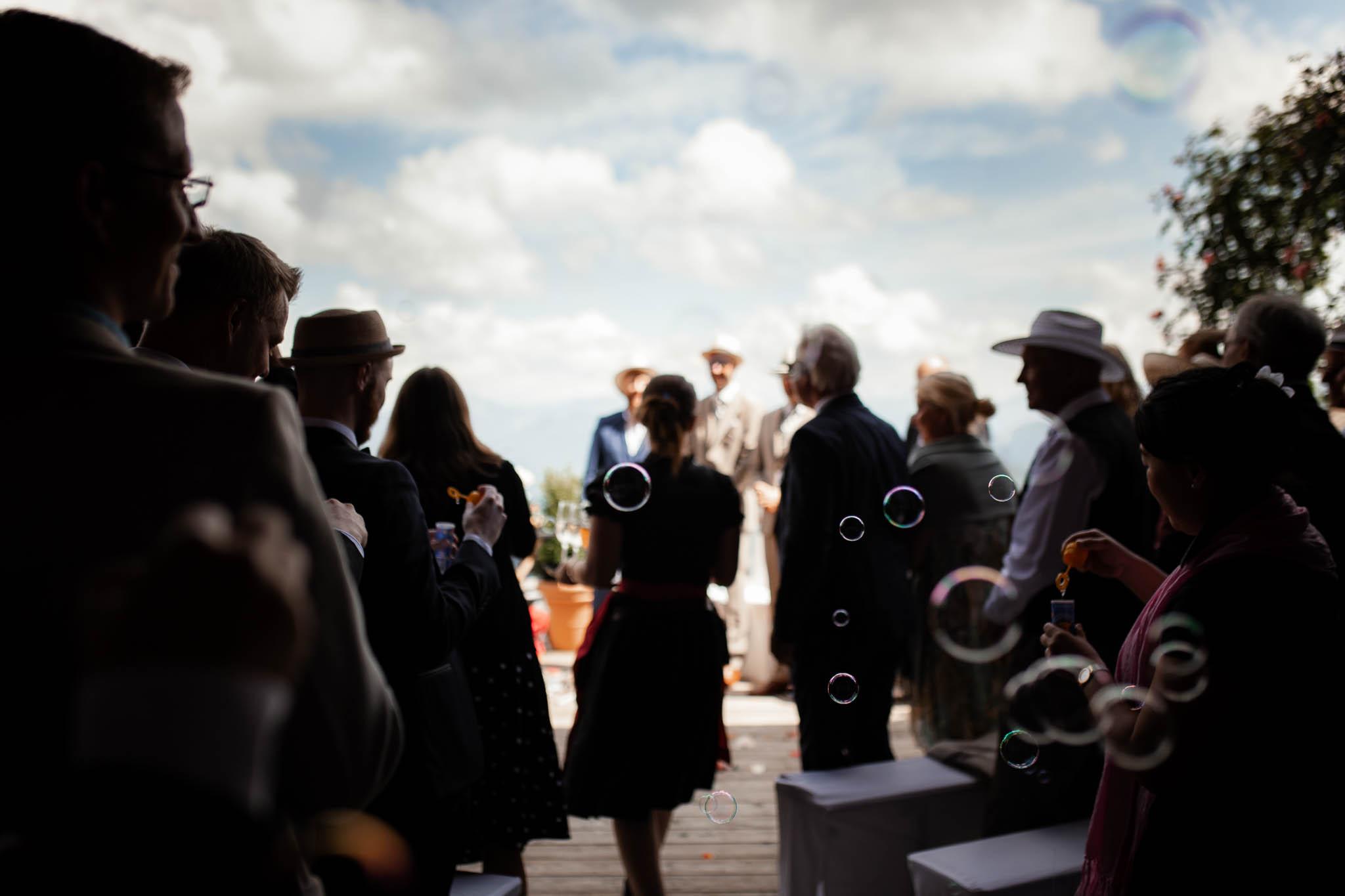 Hochzeitsfotograf Alpen, Chiemgau: freie Trauung von Dennis & Dirk 38