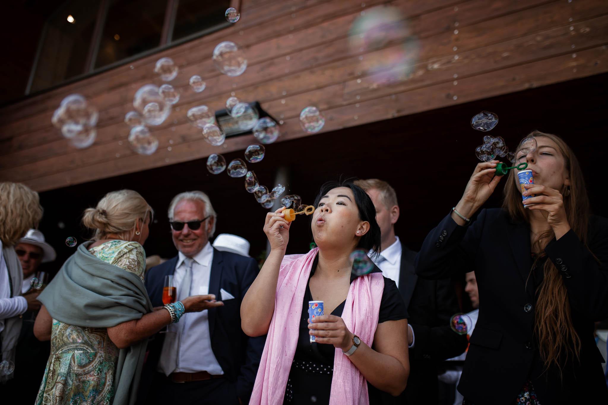 Hochzeitsfotograf Alpen, Chiemgau: freie Trauung von Dennis & Dirk 40