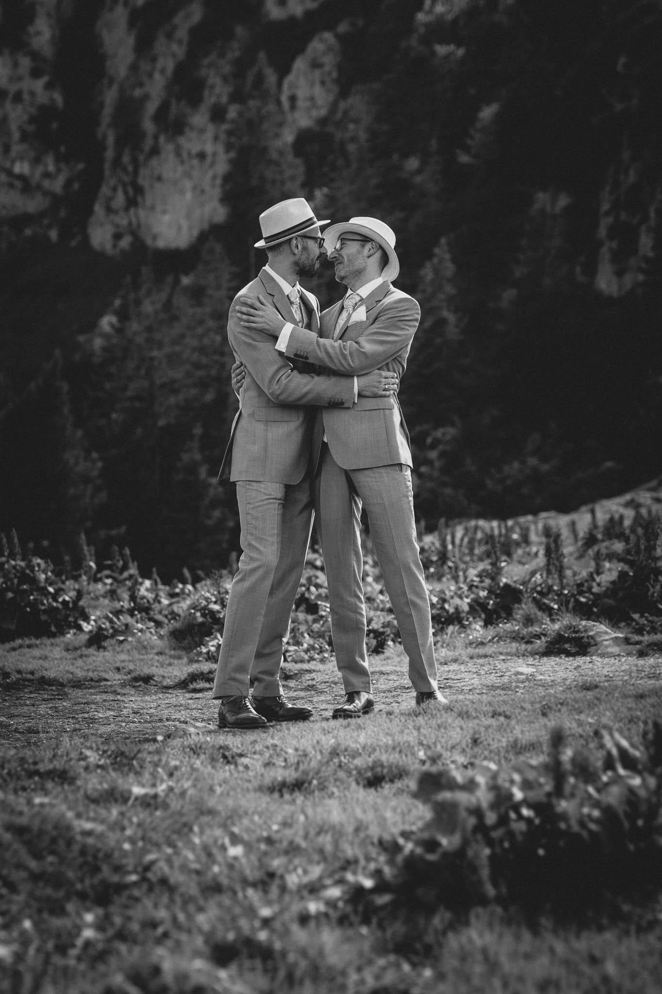 Hochzeitsfotograf Alpen, Chiemgau: freie Trauung von Dennis & Dirk 50