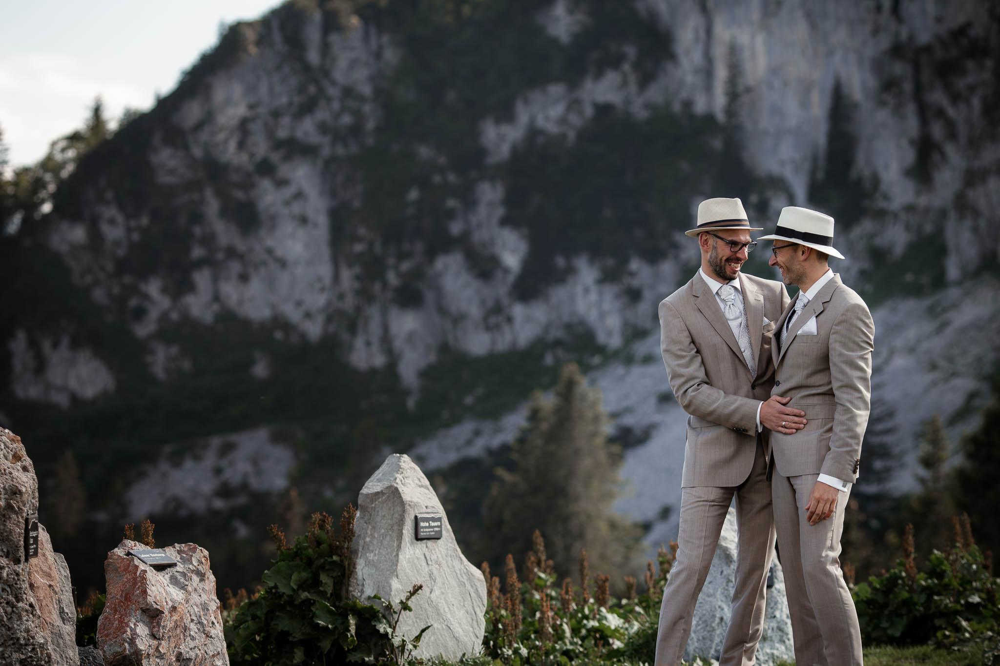 Hochzeitsfotograf Alpen, Chiemgau: freie Trauung von Dennis & Dirk 51