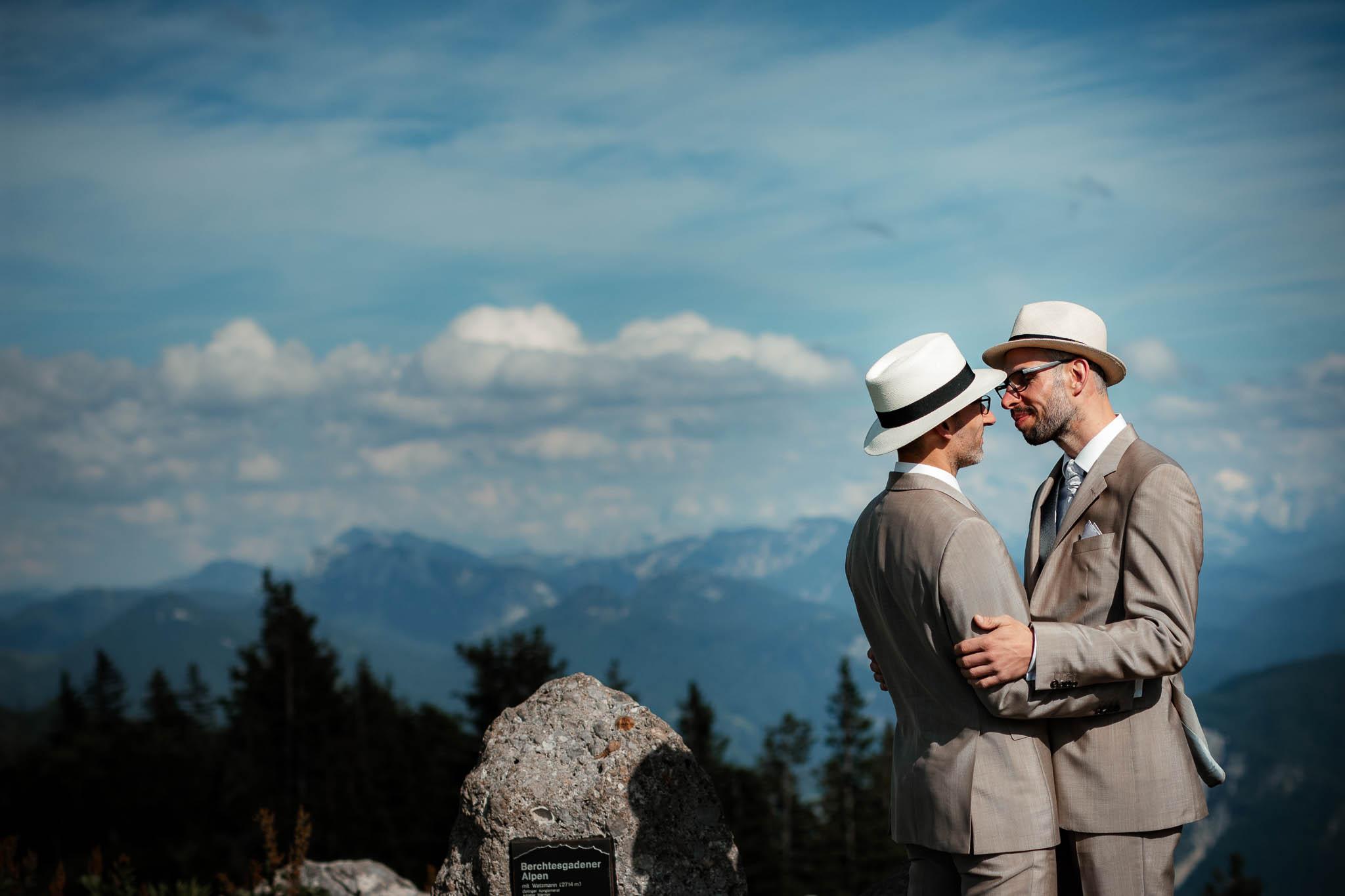 Hochzeitsfotograf Alpen, Chiemgau: freie Trauung von Dennis & Dirk 52