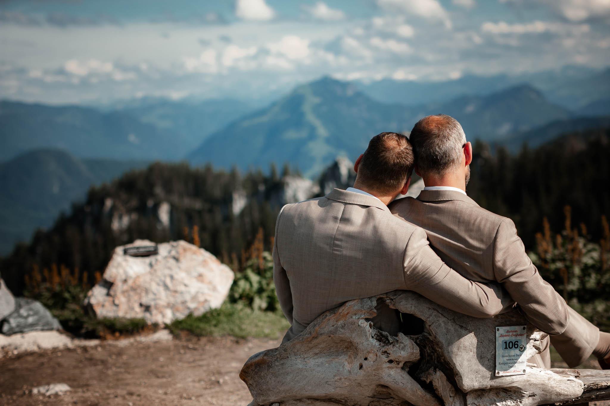 Hochzeitsfotograf Alpen, Chiemgau: freie Trauung von Dennis & Dirk 56
