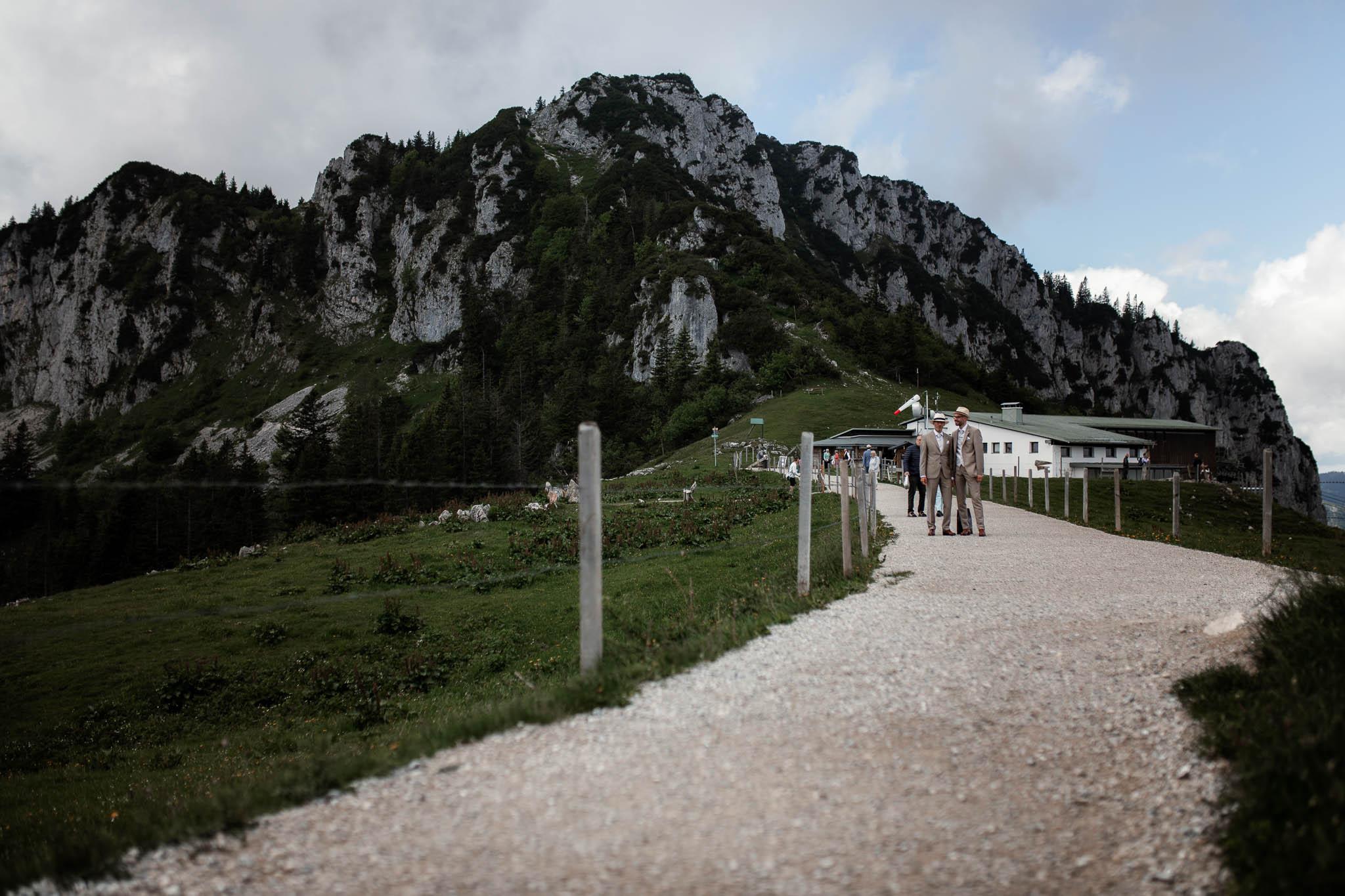 Hochzeitsfotograf Alpen, Chiemgau: freie Trauung von Dennis & Dirk 10