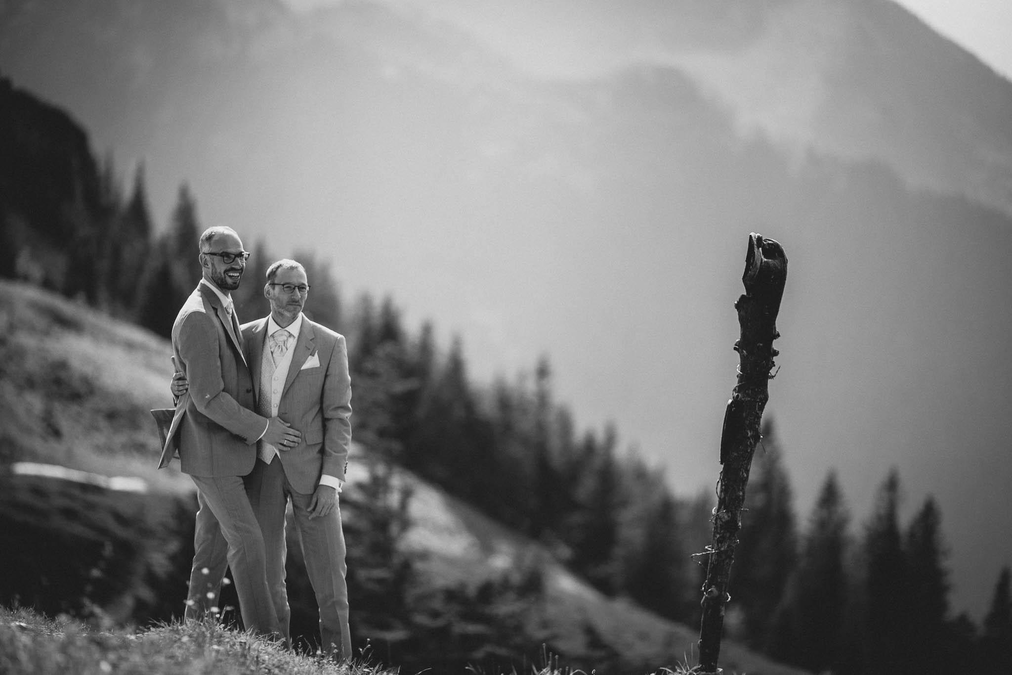 Hochzeitsfotograf Alpen, Chiemgau: freie Trauung von Dennis & Dirk 60