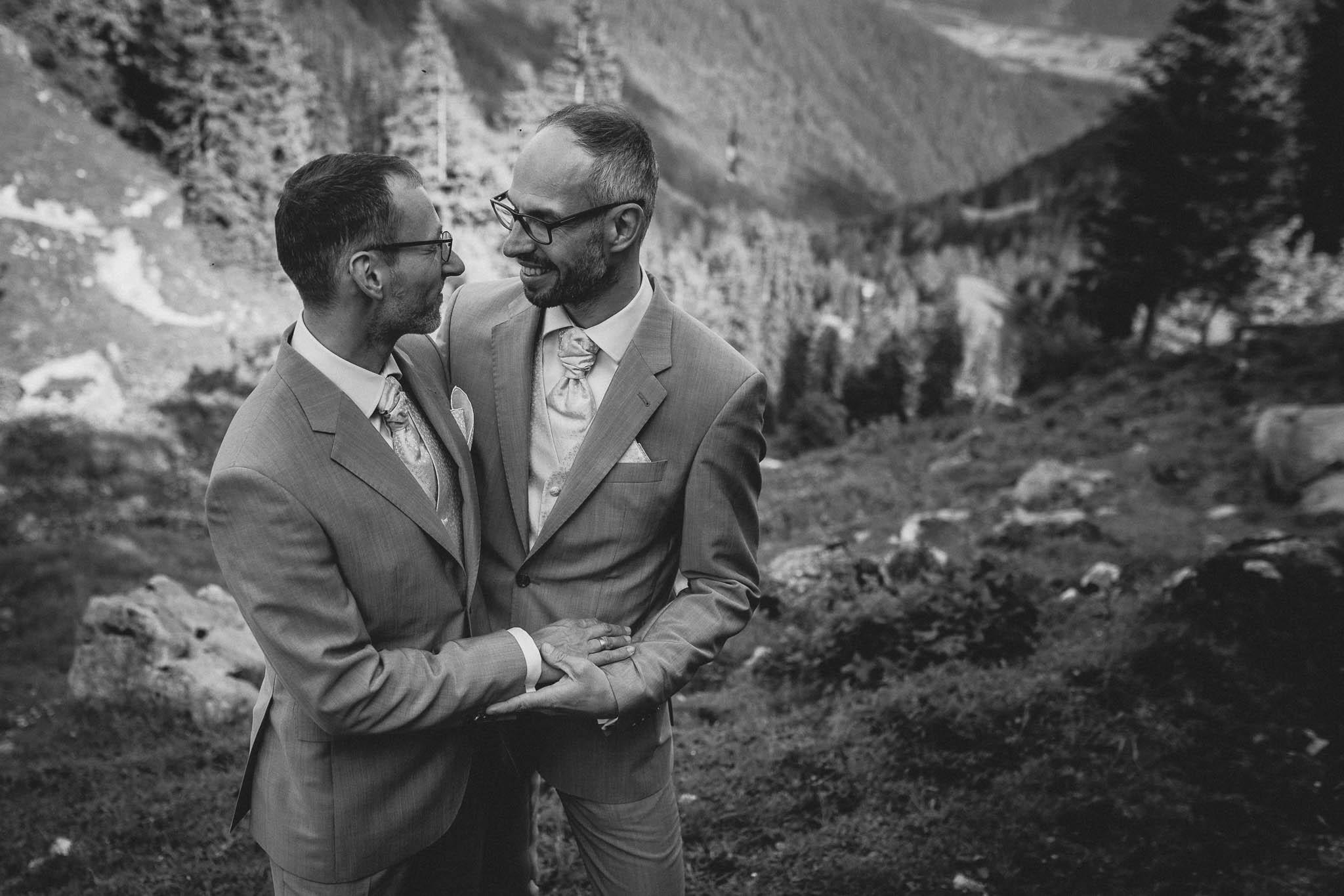 Hochzeitsfotograf Alpen, Chiemgau: freie Trauung von Dennis & Dirk 64