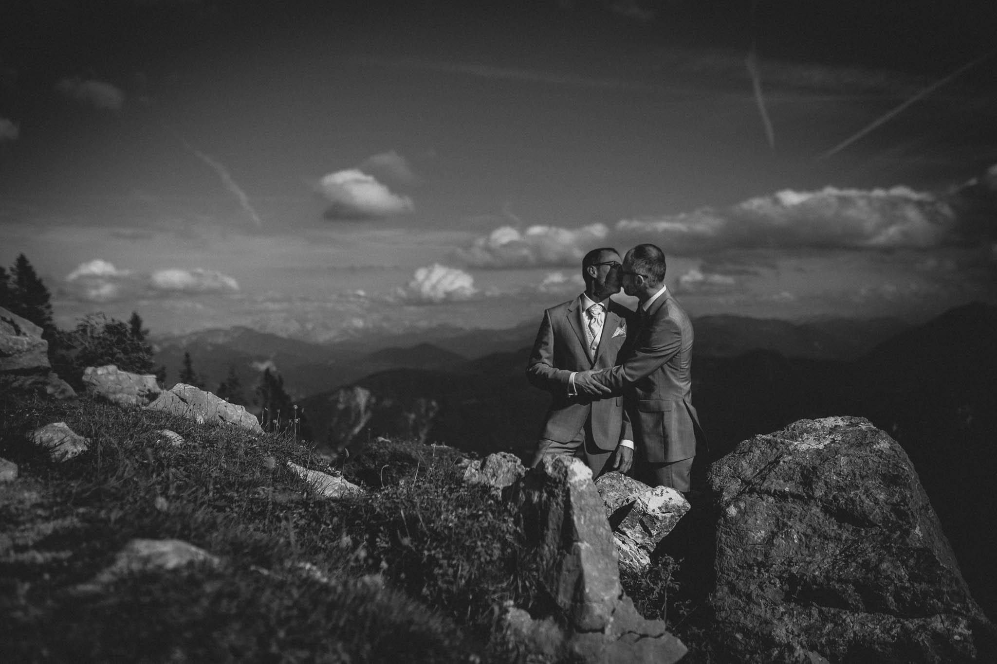 Hochzeitsfotograf Alpen, Chiemgau: freie Trauung von Dennis & Dirk 70