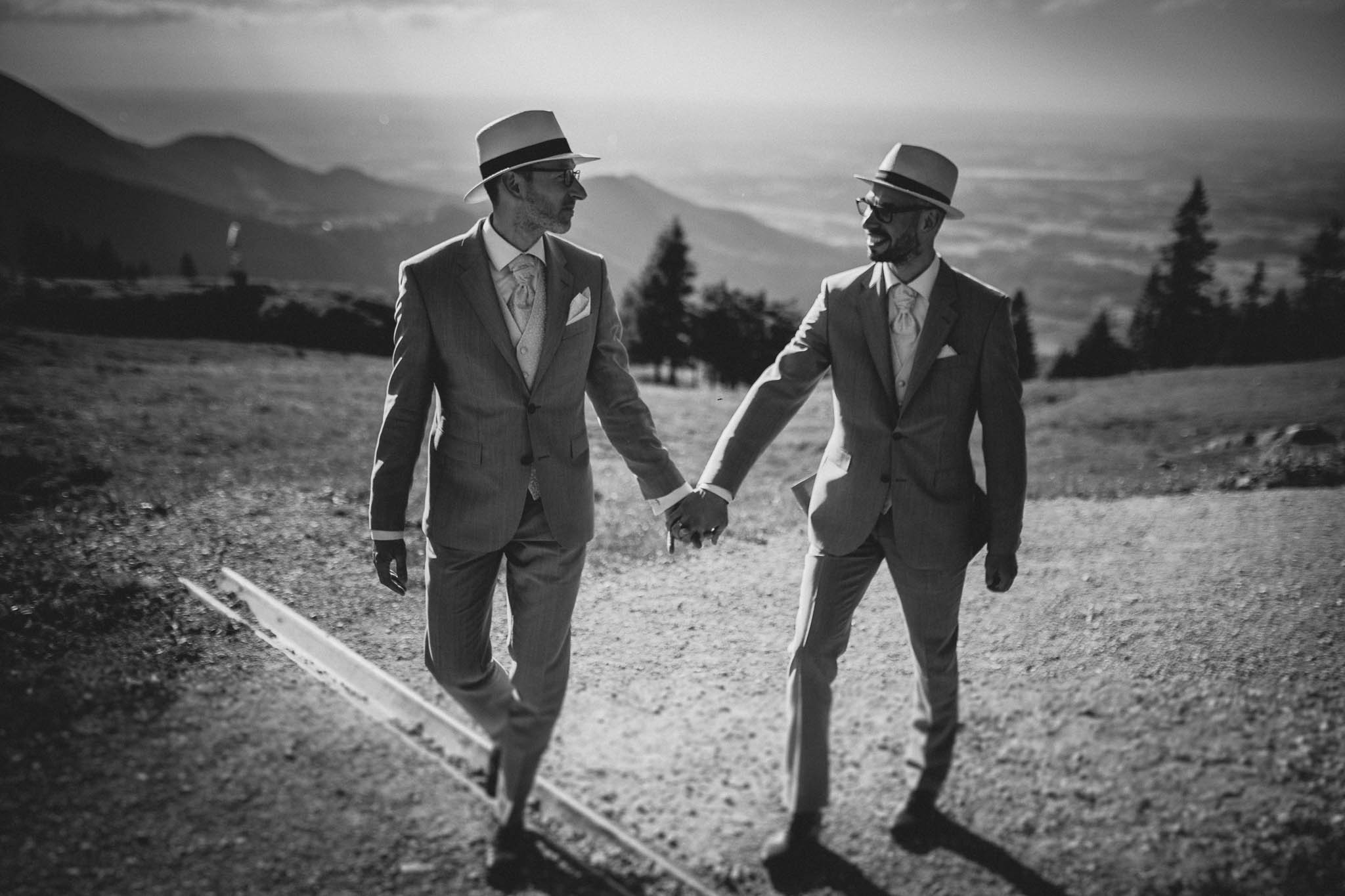 Hochzeitsfotograf Alpen, Chiemgau: freie Trauung von Dennis & Dirk 74