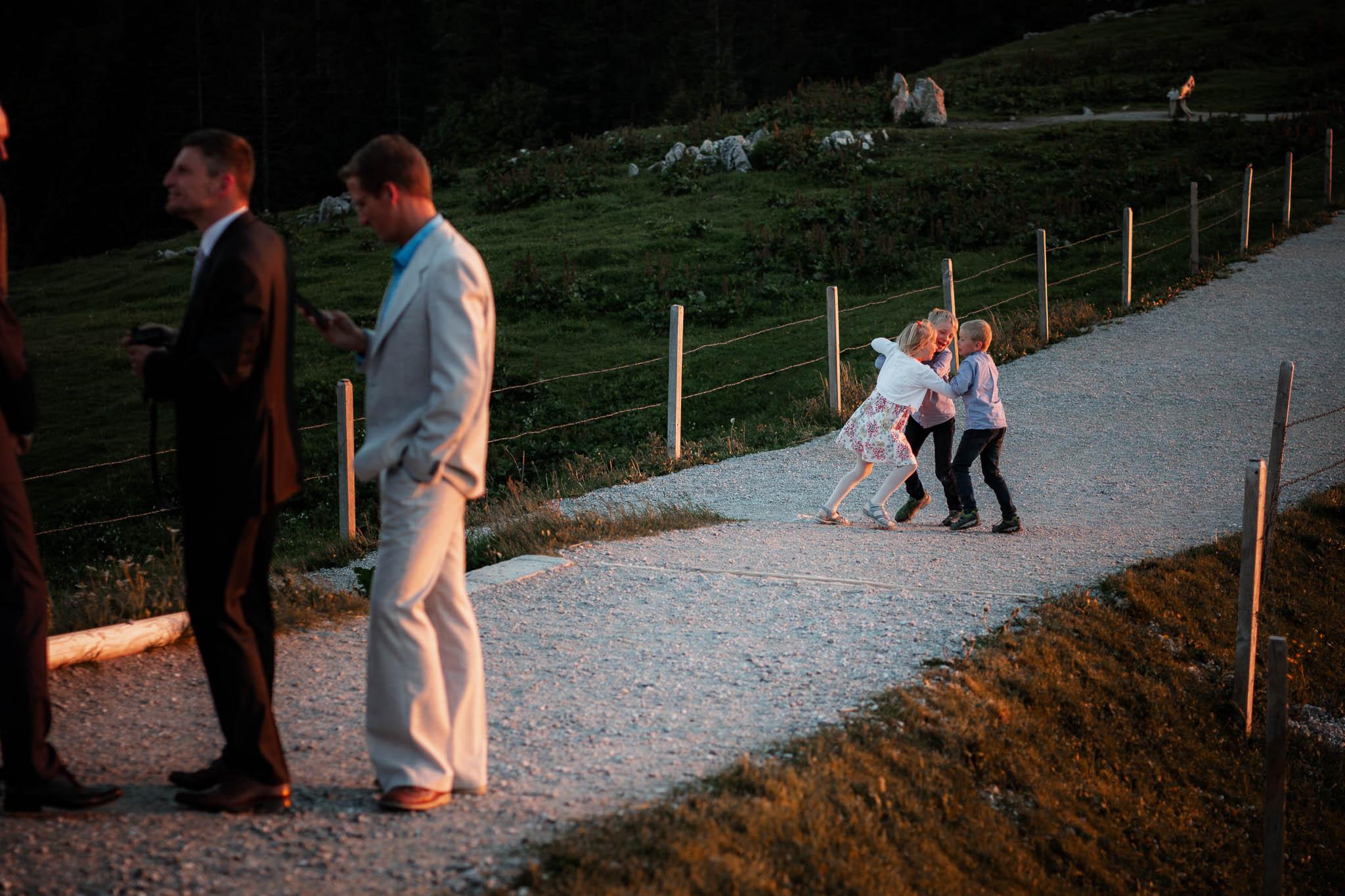 Hochzeitsfotograf Alpen, Chiemgau: freie Trauung von Dennis & Dirk 88