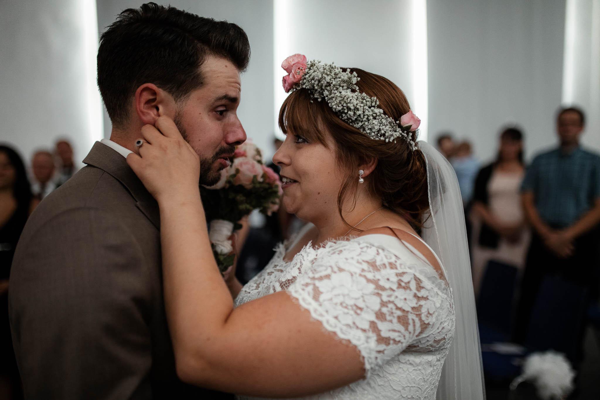 Hochzeitsfotograf Worms, Freie Trauung im Kesselhaus: Marie und Chris 12