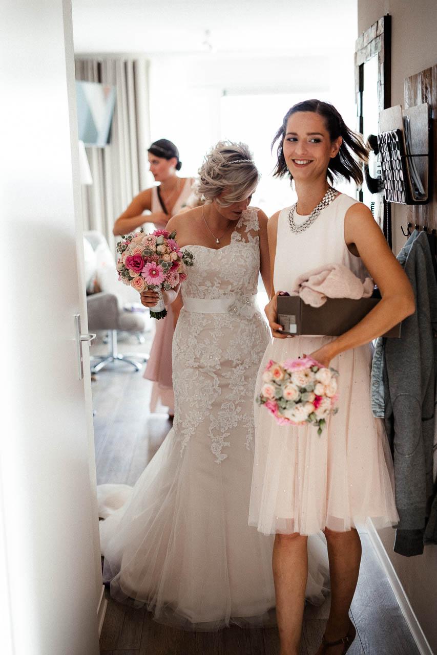 Hochzeitsfotograf Renesse, Holland: Lisa & Michael heiraten mit einer Freie Trauung am Strand 28