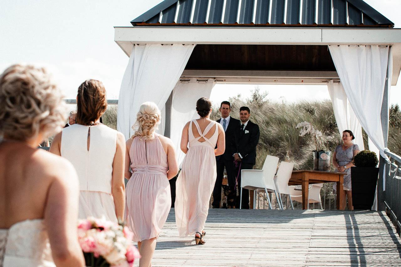 Hochzeitsfotograf Renesse, Holland: Lisa & Michael heiraten mit einer Freie Trauung am Strand 32