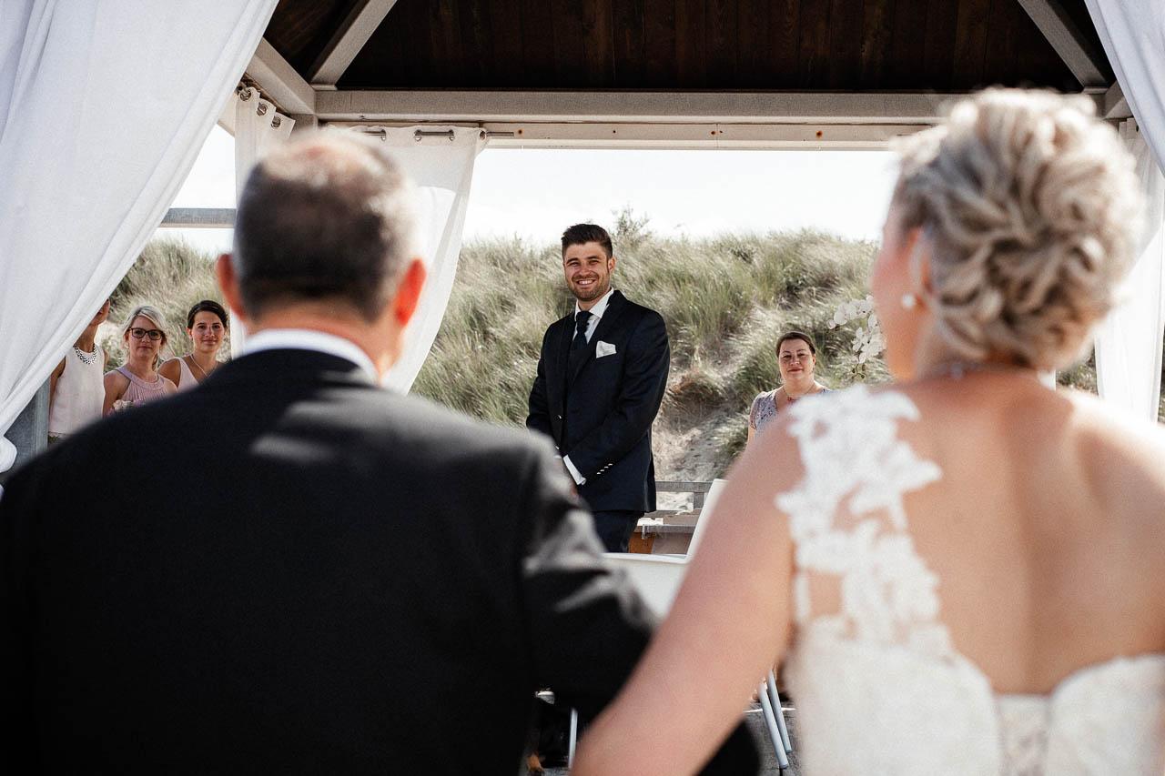 Hochzeitsfotograf Renesse, Holland: Lisa & Michael heiraten mit einer Freie Trauung am Strand 33