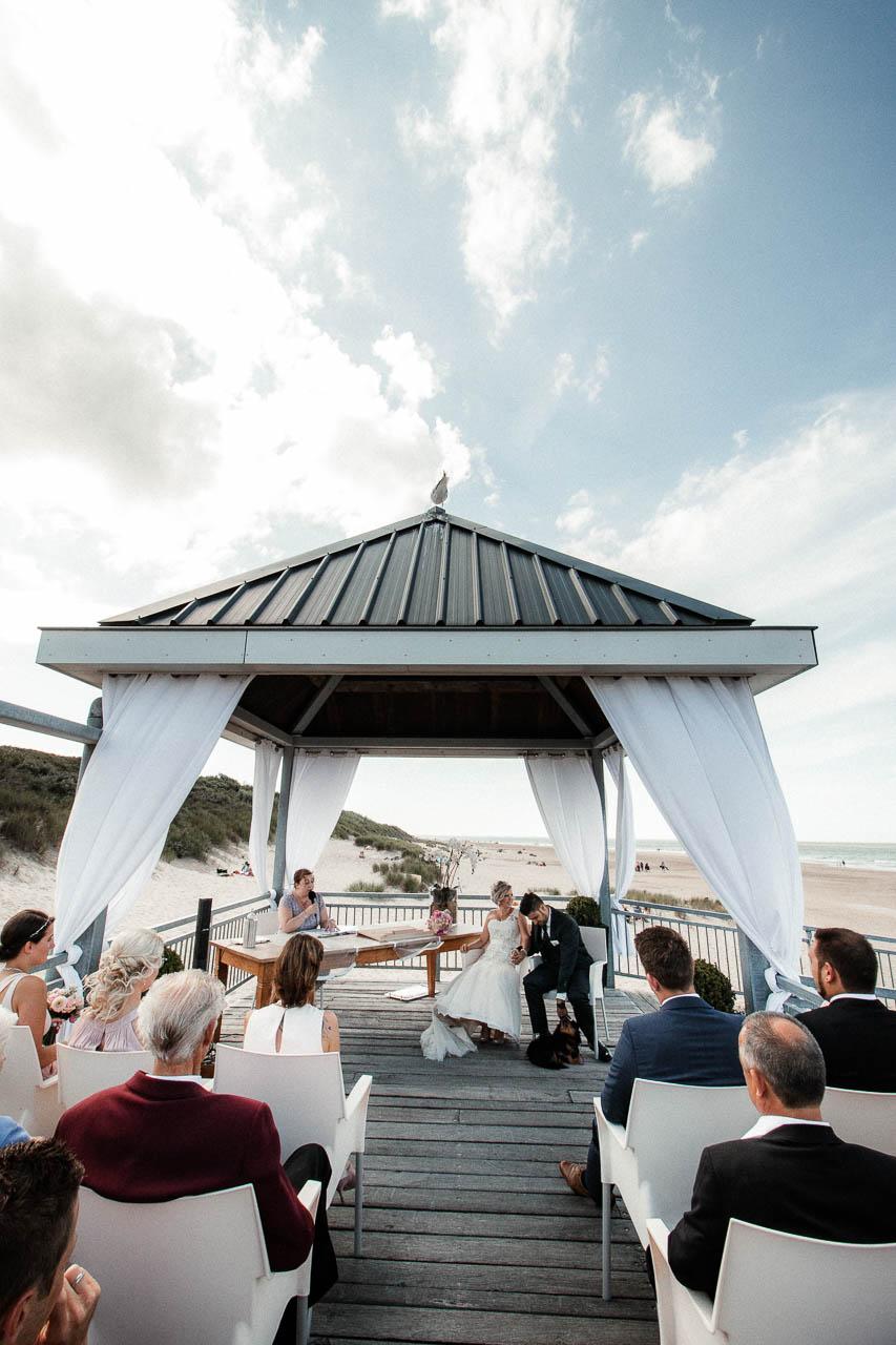 Hochzeitsfotograf Renesse, Holland: Lisa & Michael heiraten mit einer Freie Trauung am Strand 34