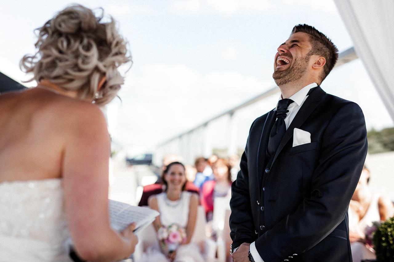 Hochzeitsfotograf Renesse, Holland: Lisa & Michael heiraten mit einer Freie Trauung am Strand 36