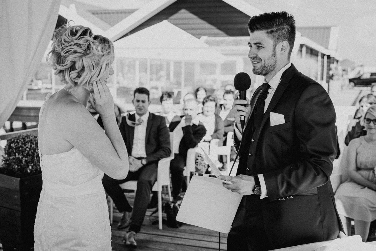 Hochzeitsfotograf Renesse, Holland: Lisa & Michael heiraten mit einer Freie Trauung am Strand 38