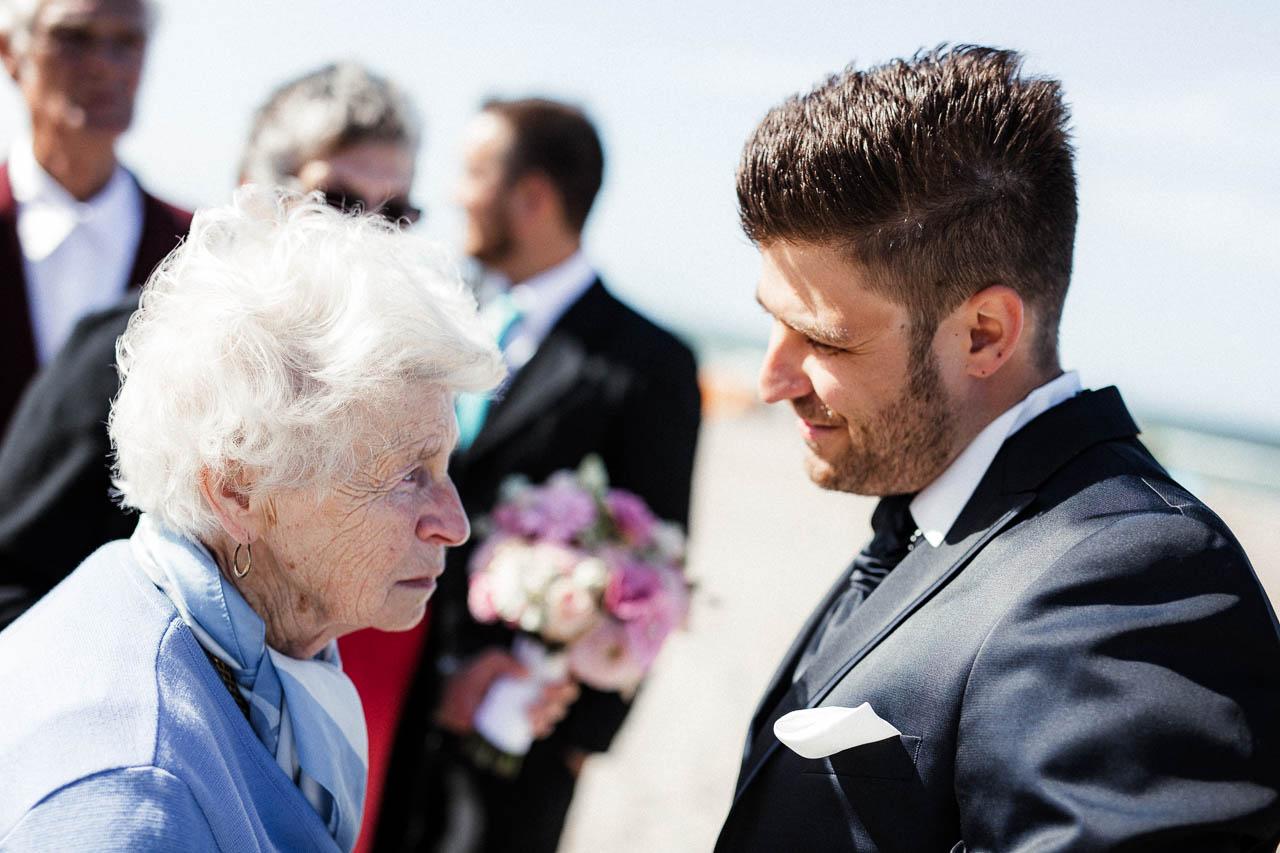 Hochzeitsfotograf Renesse, Holland: Lisa & Michael heiraten mit einer Freie Trauung am Strand 43