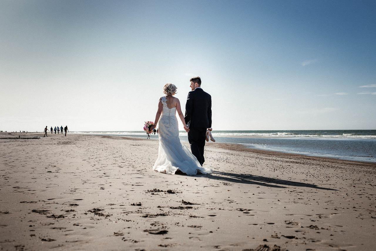 Hochzeitsfotograf Renesse, Holland: Lisa & Michael heiraten mit einer Freie Trauung am Strand 50