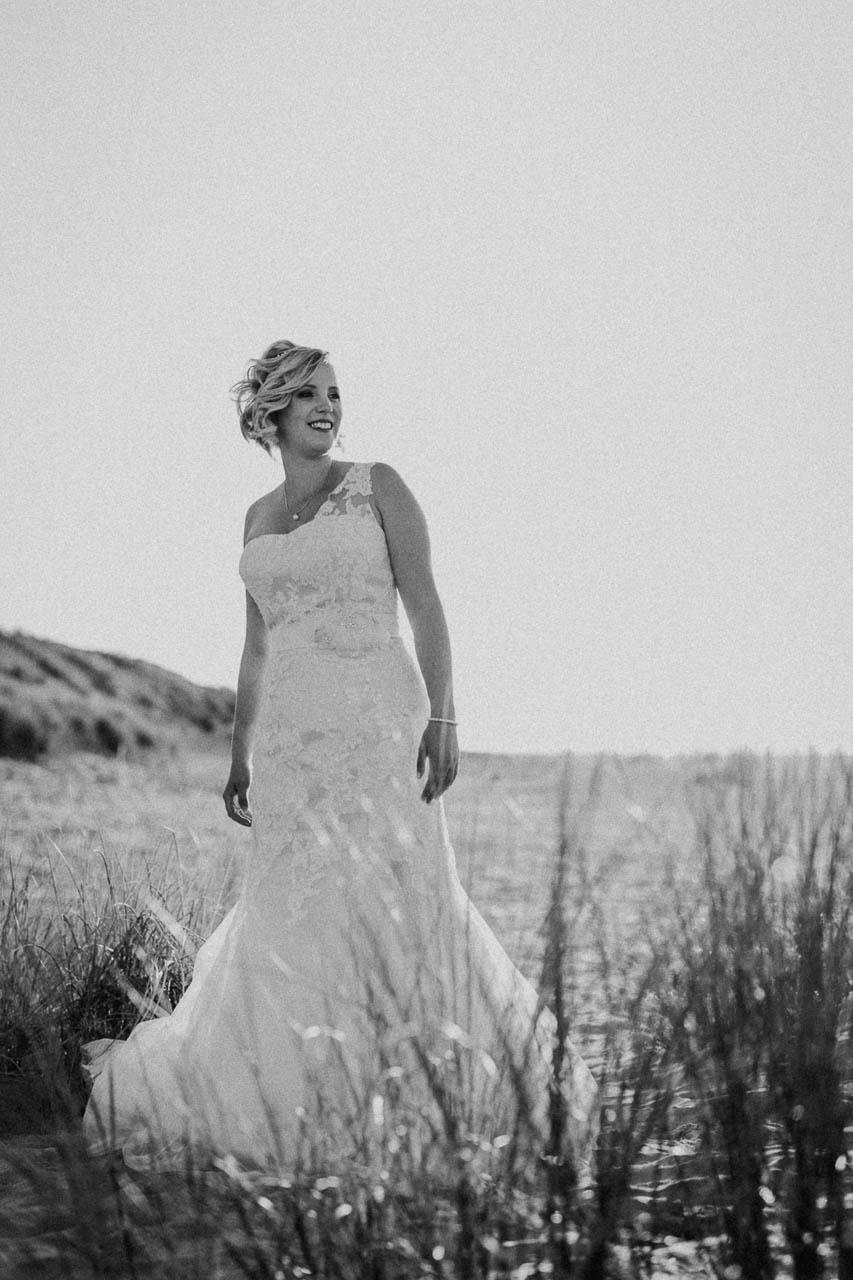 Hochzeitsfotograf Renesse, Holland: Lisa & Michael heiraten mit einer Freie Trauung am Strand 55