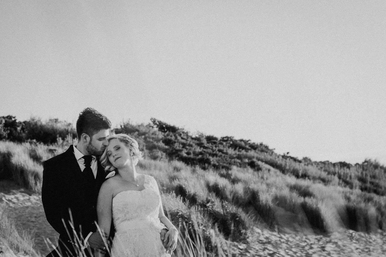 Hochzeitsfotograf Renesse, Holland: Lisa & Michael heiraten mit einer Freie Trauung am Strand 56