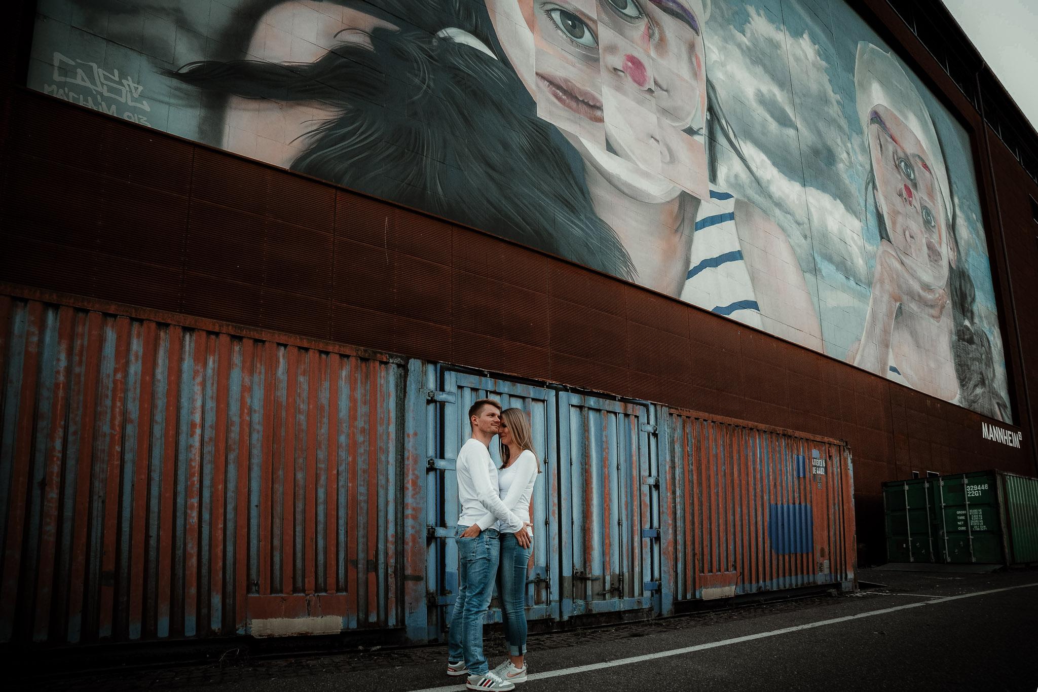 Urbane Paarfotos in Mannheim: Paarshooting mit Katja & Lars 10