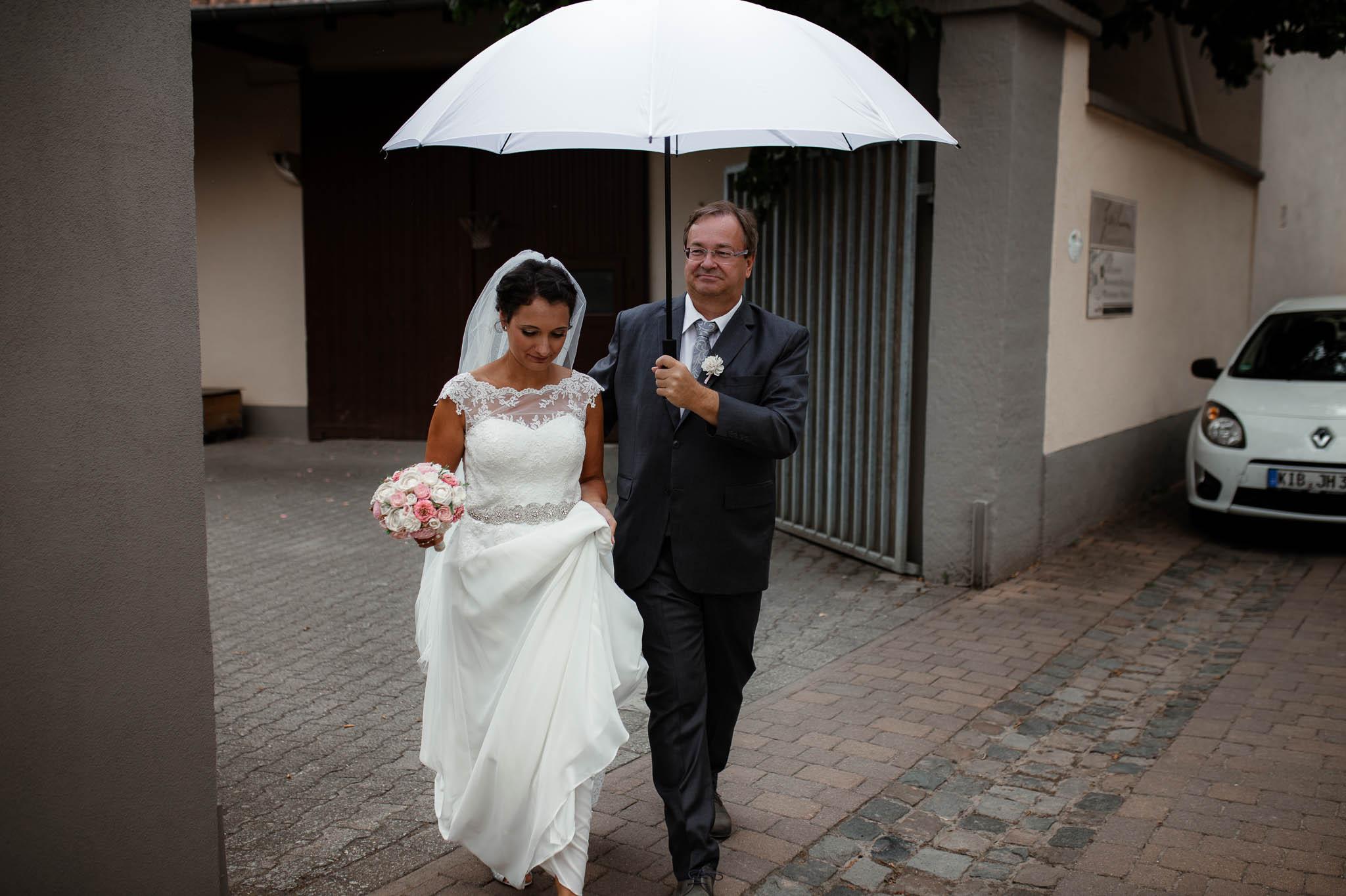 Hochzeitsfotograf Monzernheim: freie Trauung von Sarah & Patrick 16