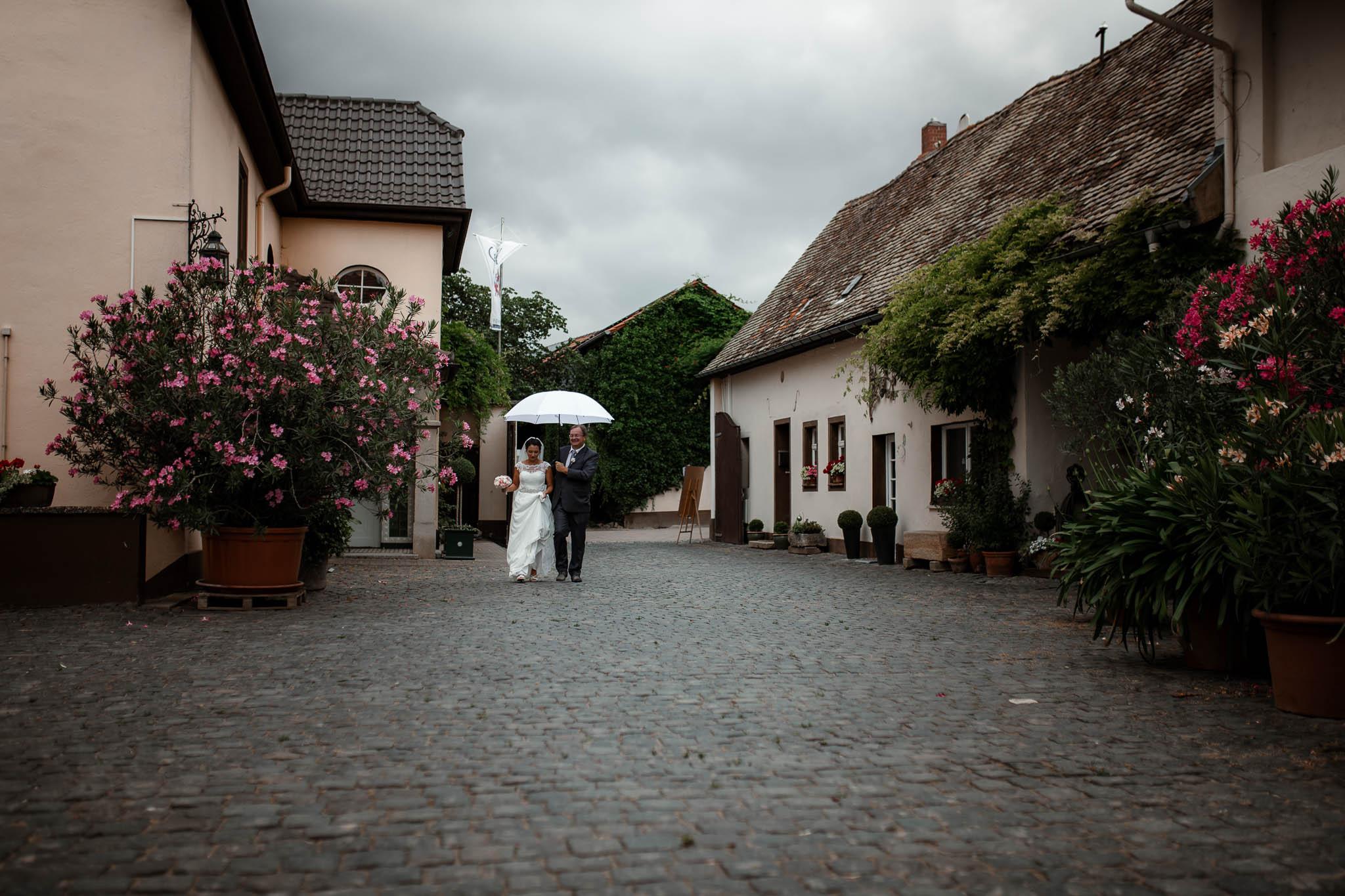 Hochzeitsfotograf Monzernheim: freie Trauung von Sarah & Patrick 17