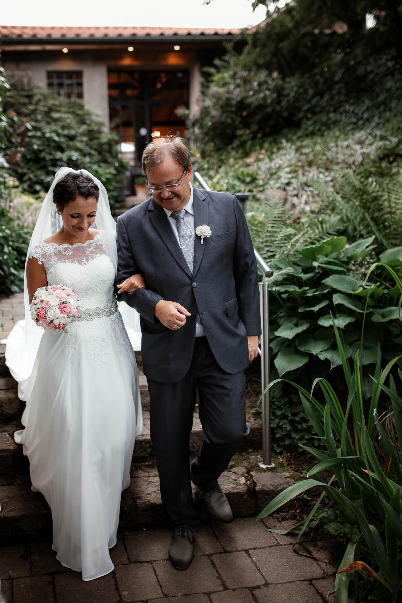 Hochzeitsfotograf Monzernheim: freie Trauung von Sarah & Patrick 21