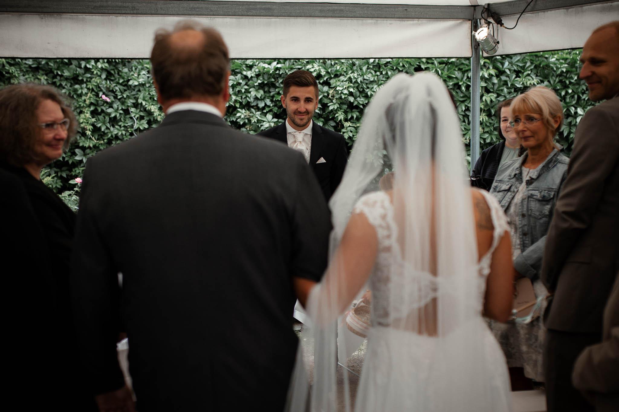 Hochzeitsfotograf Monzernheim: freie Trauung von Sarah & Patrick 23