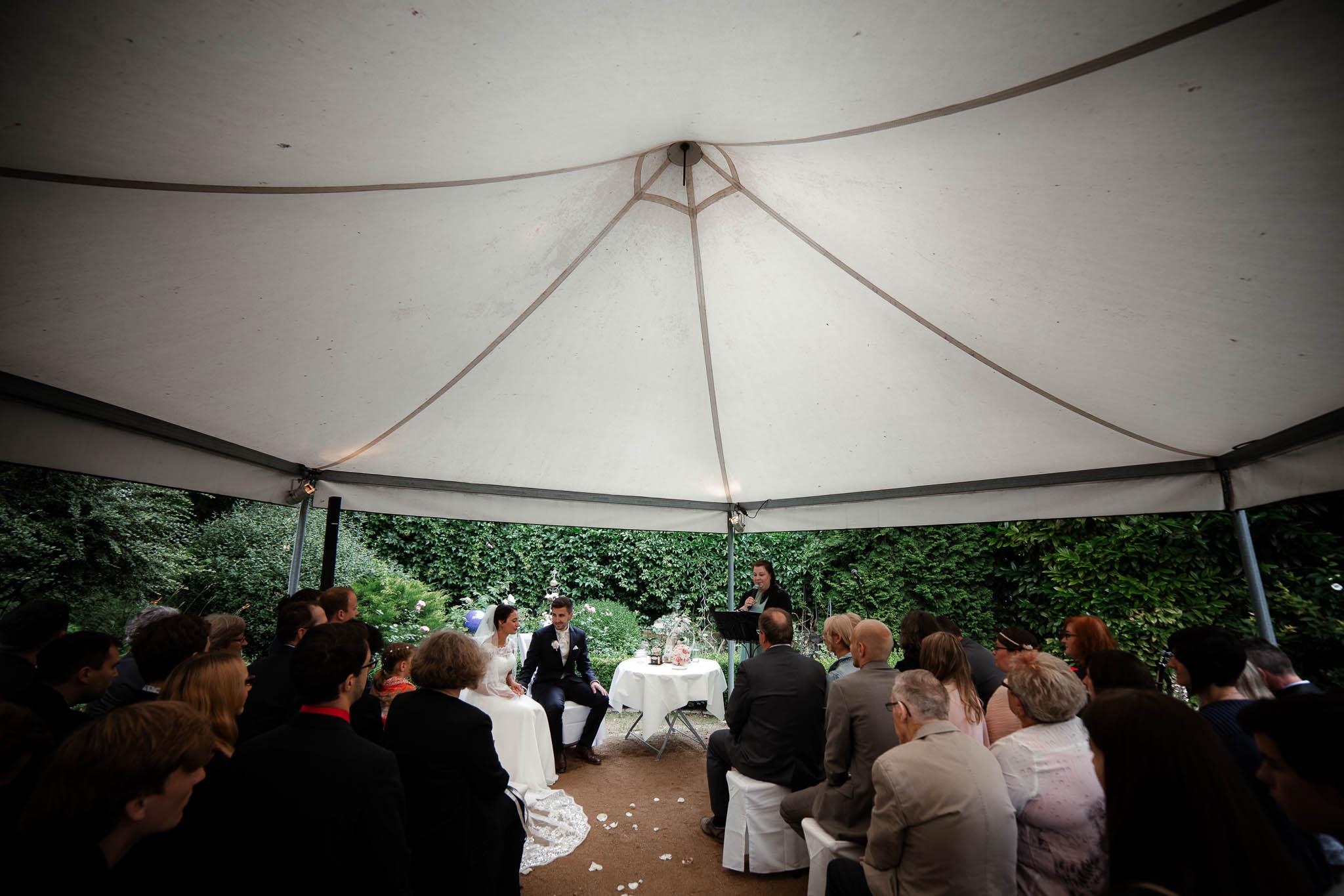 Hochzeitsfotograf Monzernheim: freie Trauung von Sarah & Patrick 30