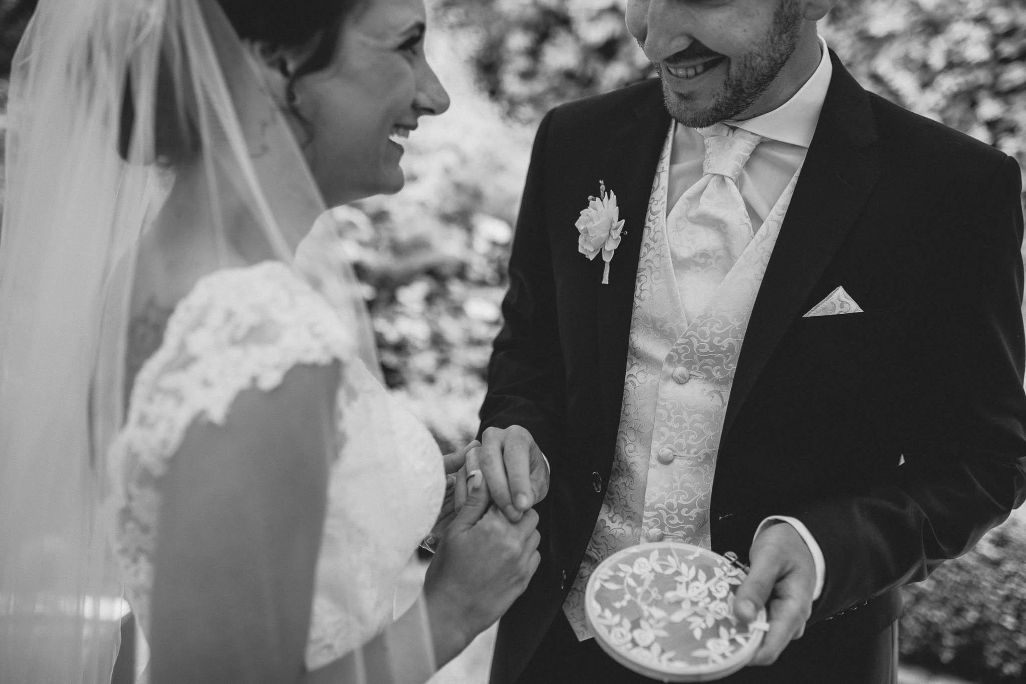 Hochzeitsfotograf Monzernheim: freie Trauung von Sarah & Patrick 33