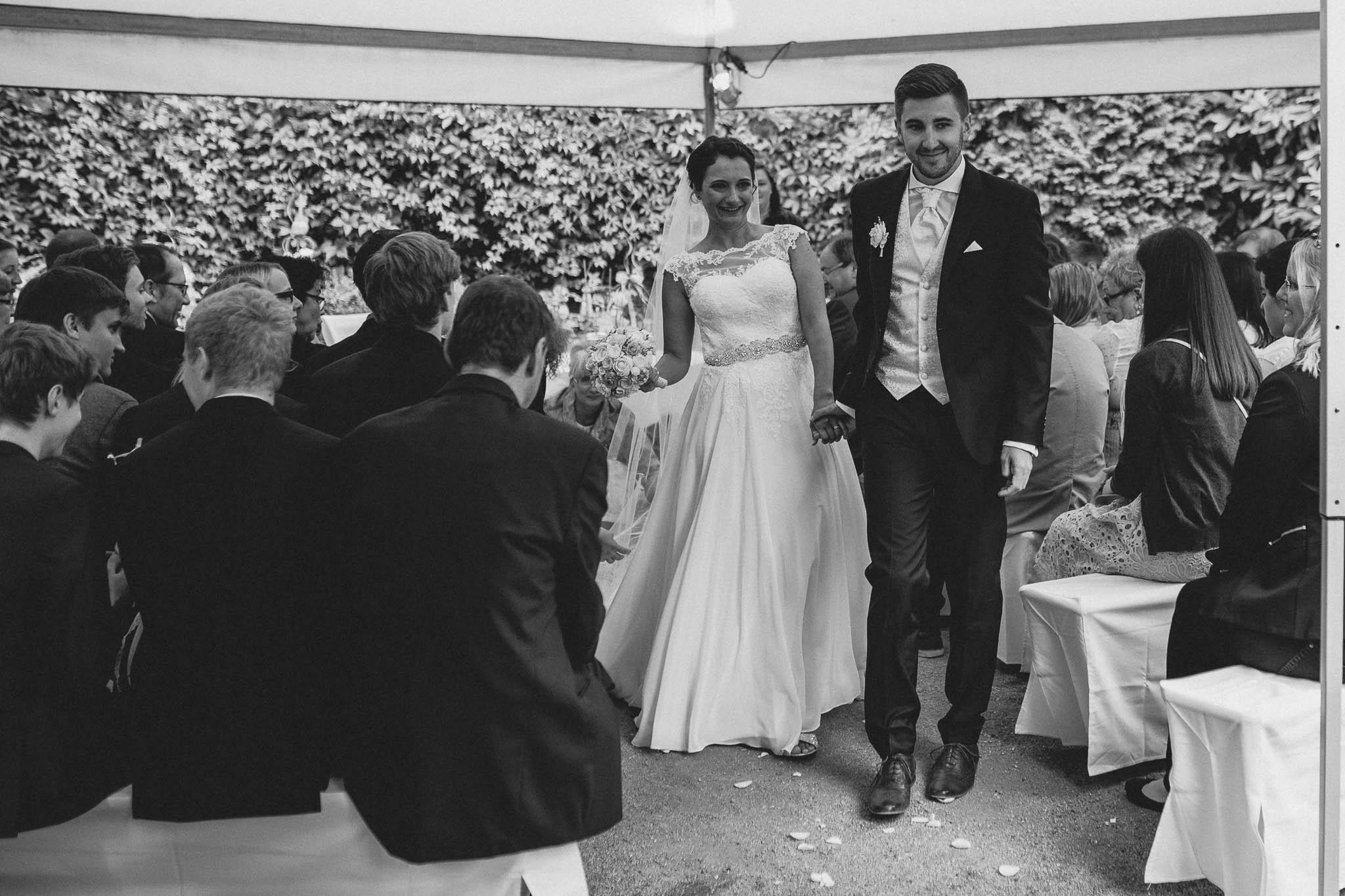 Hochzeitsfotograf Monzernheim: freie Trauung von Sarah & Patrick 35