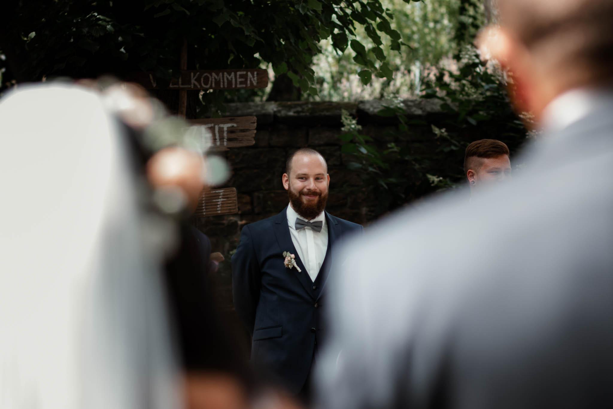 Als Hochzeitsfotograf in Deidesheim: Freie Trauung von Raquel & Philipp 33