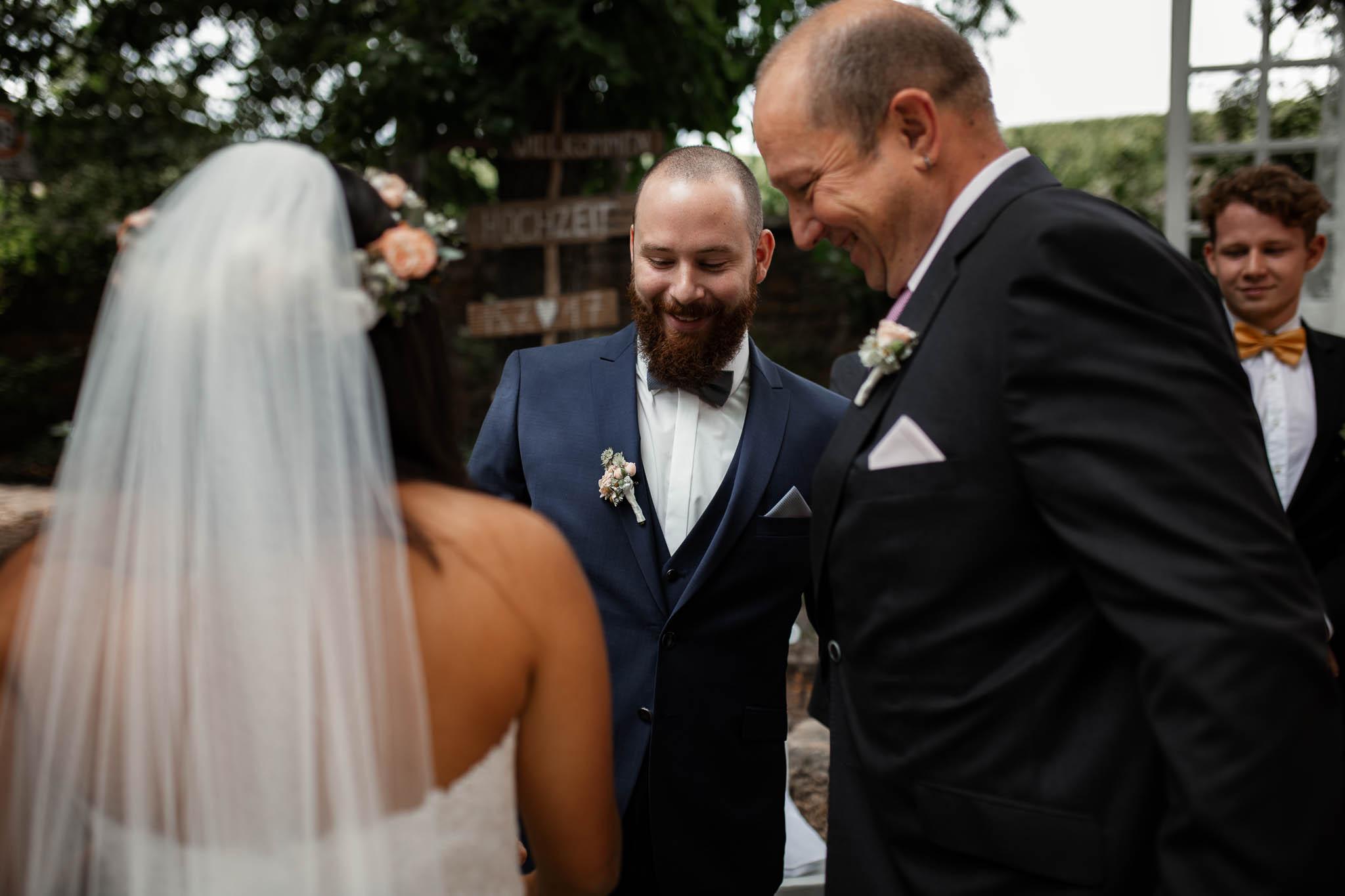 Als Hochzeitsfotograf in Deidesheim: Freie Trauung von Raquel & Philipp 34