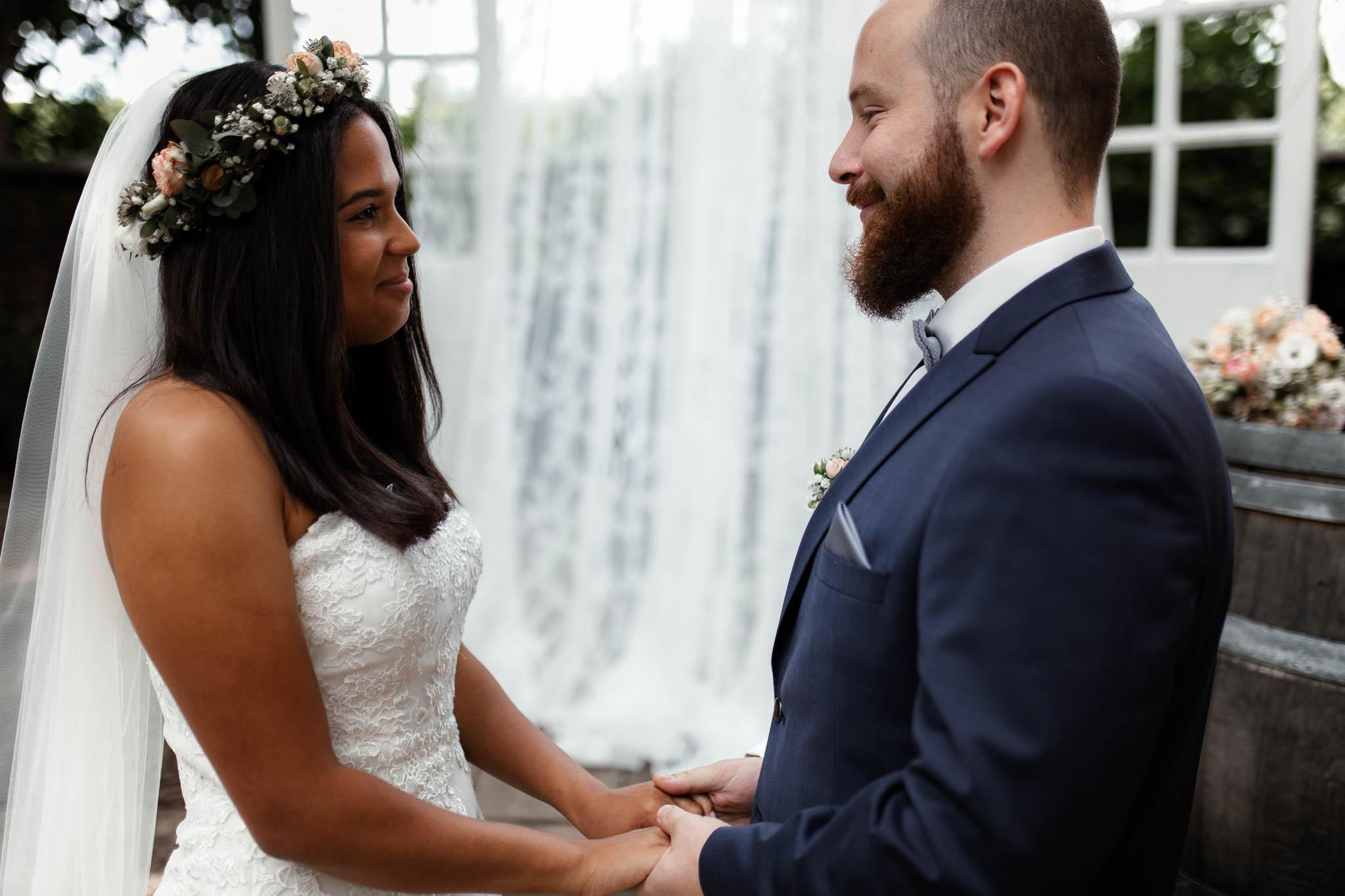 Als Hochzeitsfotograf in Deidesheim: Freie Trauung von Raquel & Philipp 52