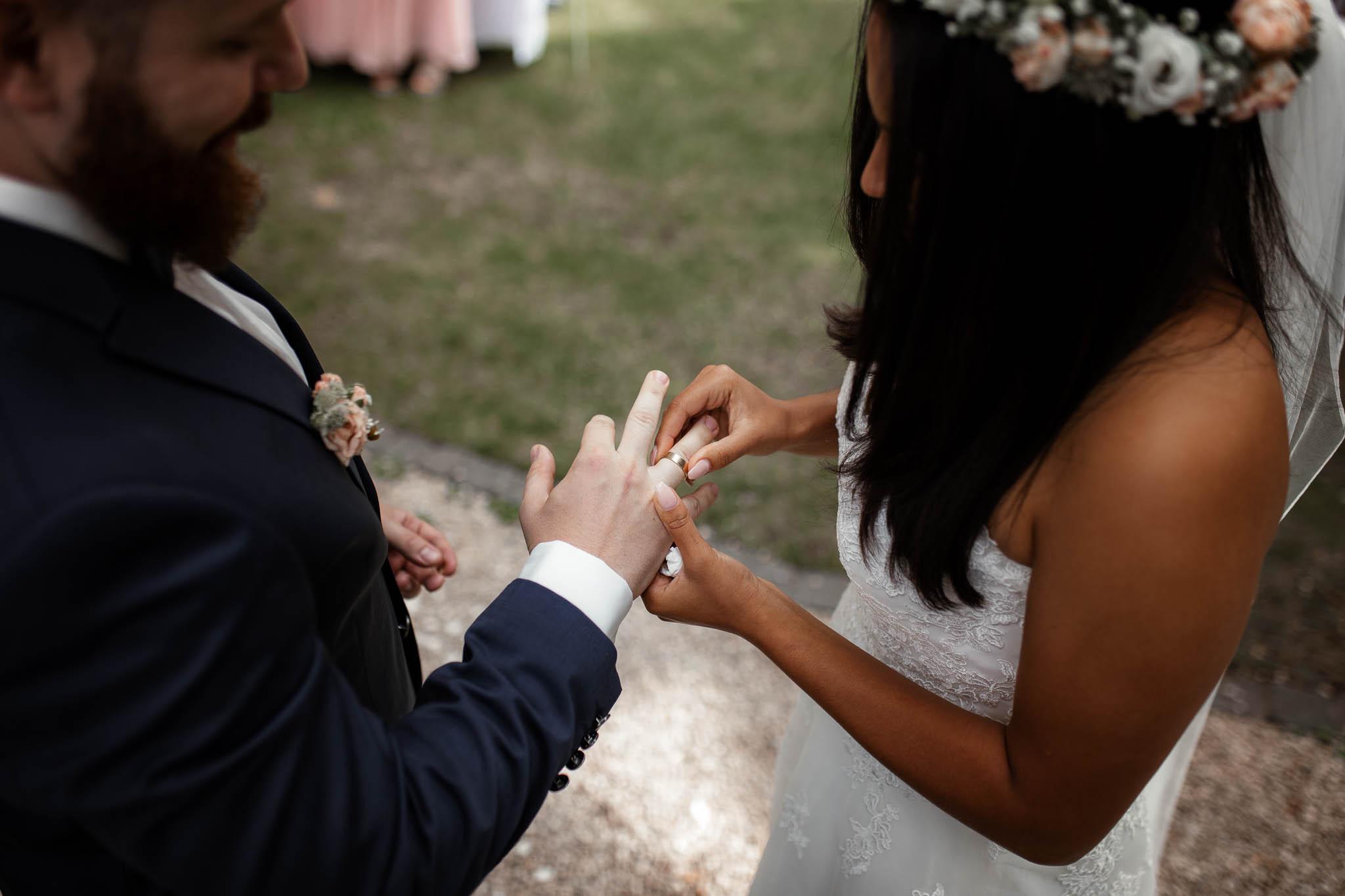 Als Hochzeitsfotograf in Deidesheim: Freie Trauung von Raquel & Philipp 53