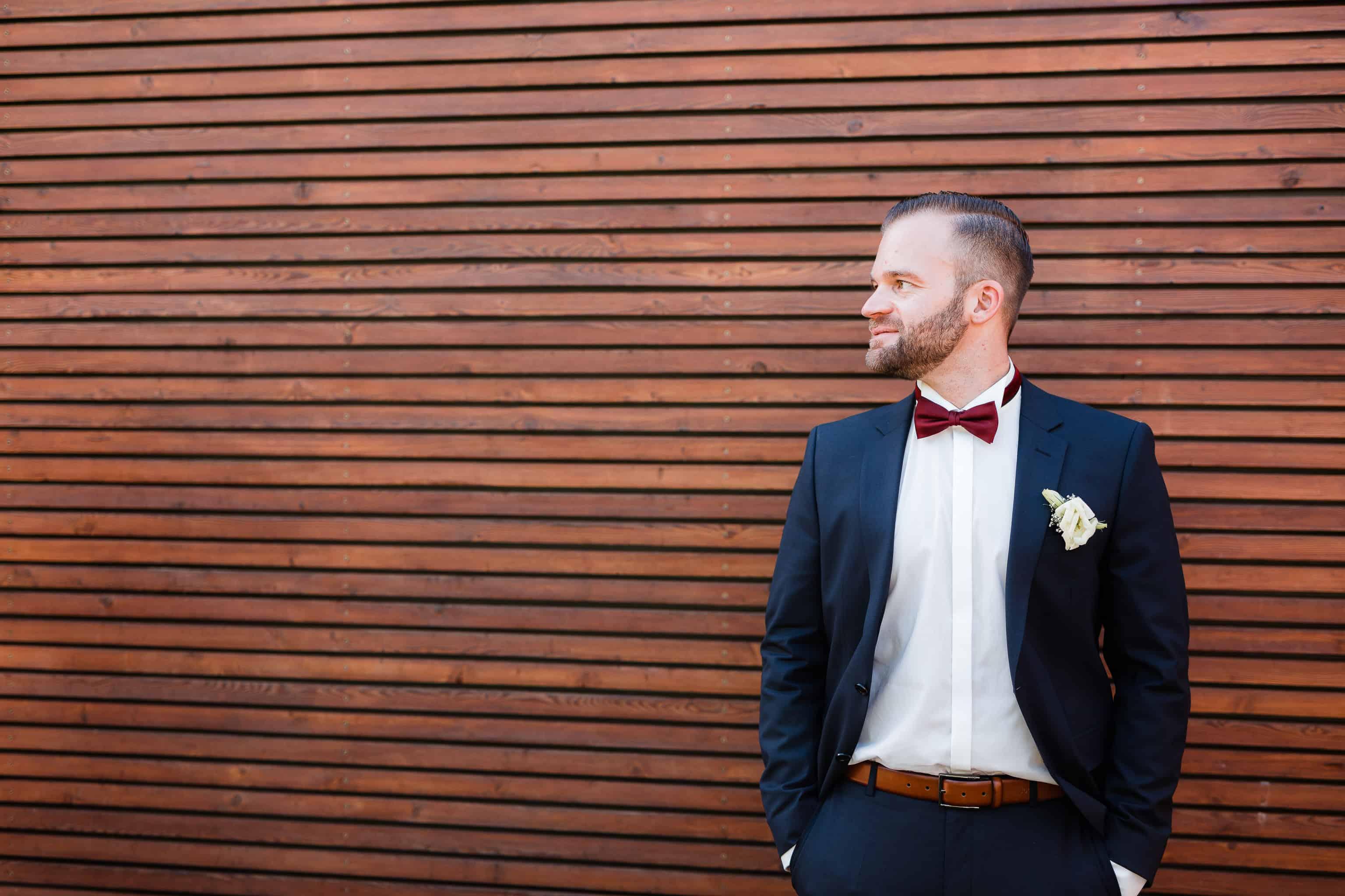 Gehört als Hochzeitsfotograf auch in Guntersblum dazu: Portrait vom Bräutigam