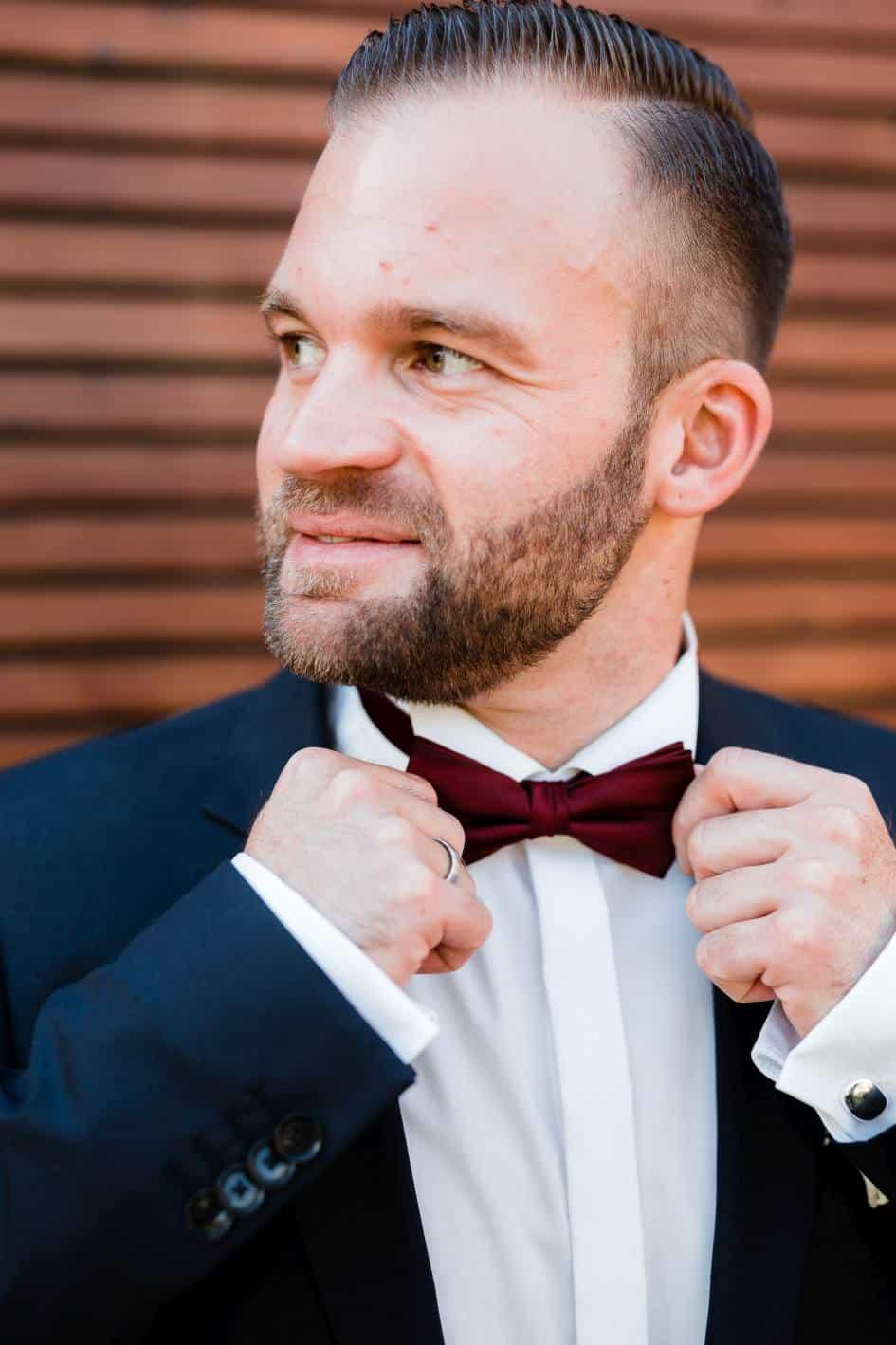 Als Hochzeitsfotograf in Guntersblum: Portrait des Bräutigams