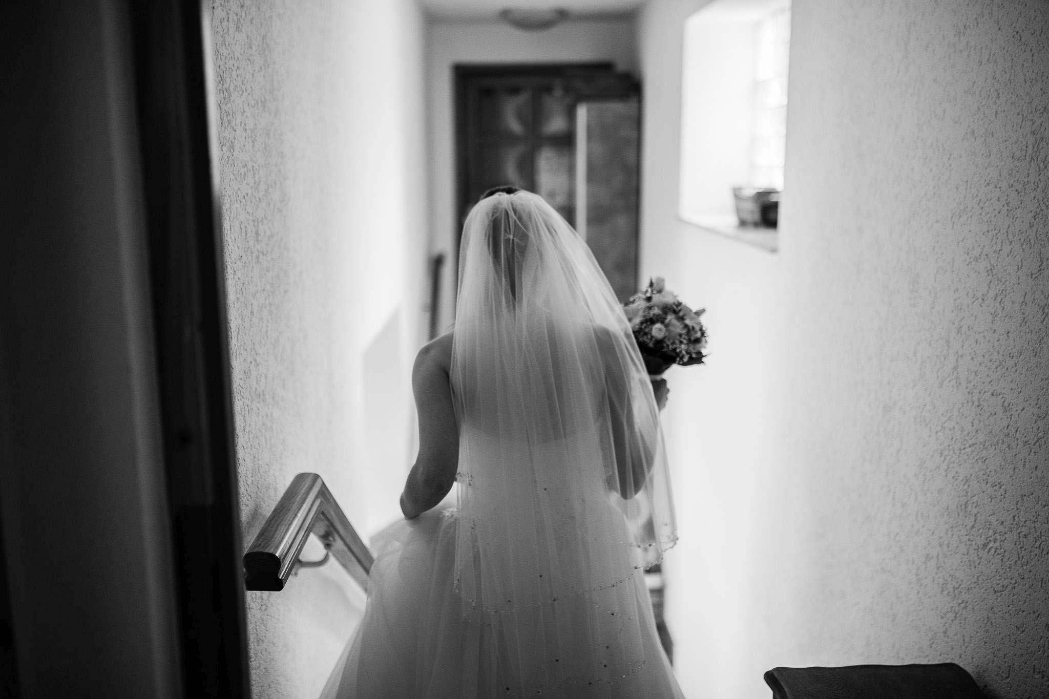 Hochzeitsreportage Undenheim: Auf dem Weg zur Trauung