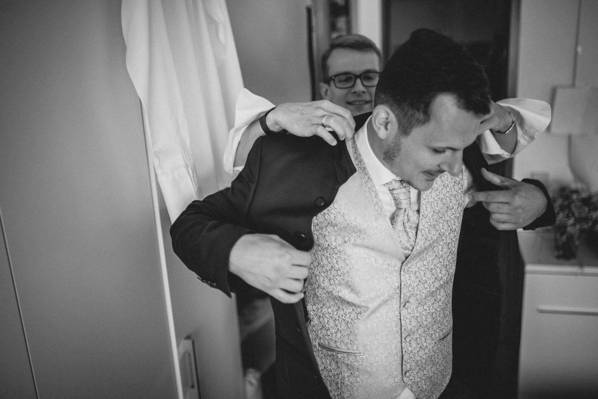 Als Hochzeitsfotograf in Undenheim: Freie Trauung von Tamara und Martin im Junghof 11