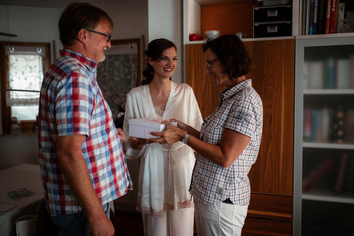 Als Hochzeitsfotograf in Undenheim: Freie Trauung von Tamara und Martin im Junghof 23