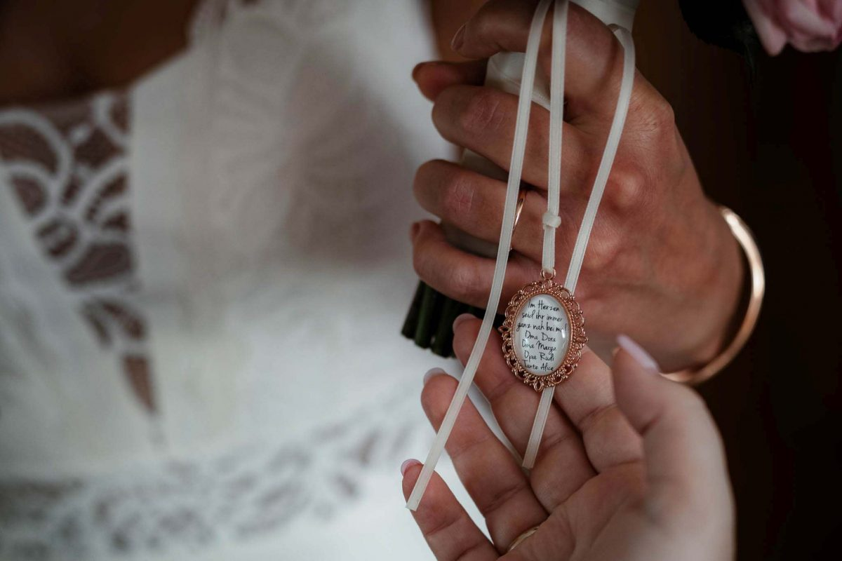 Als Hochzeitsfotograf in Undenheim: Freie Trauung von Tamara und Martin im Junghof 33