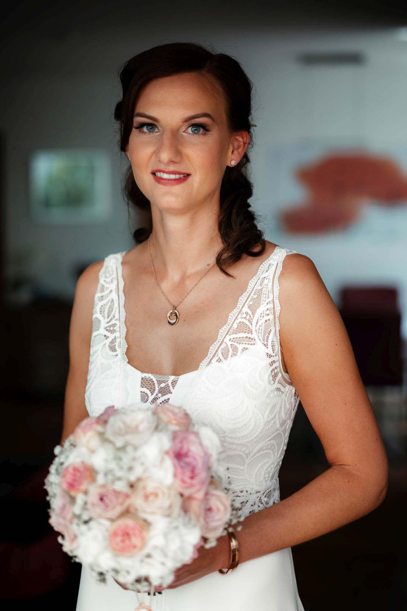 Als Hochzeitsfotograf im Weingut Junghof Undenheim: Hochzeit von Tamara und Martin 21
