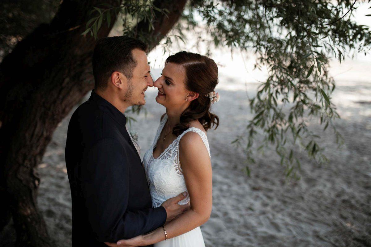 Als Hochzeitsfotograf in Undenheim: Freie Trauung von Tamara und Martin im Junghof 43