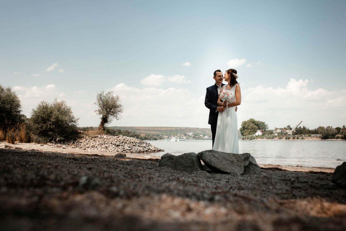 Als Hochzeitsfotograf in Undenheim: Freie Trauung von Tamara und Martin im Junghof 47